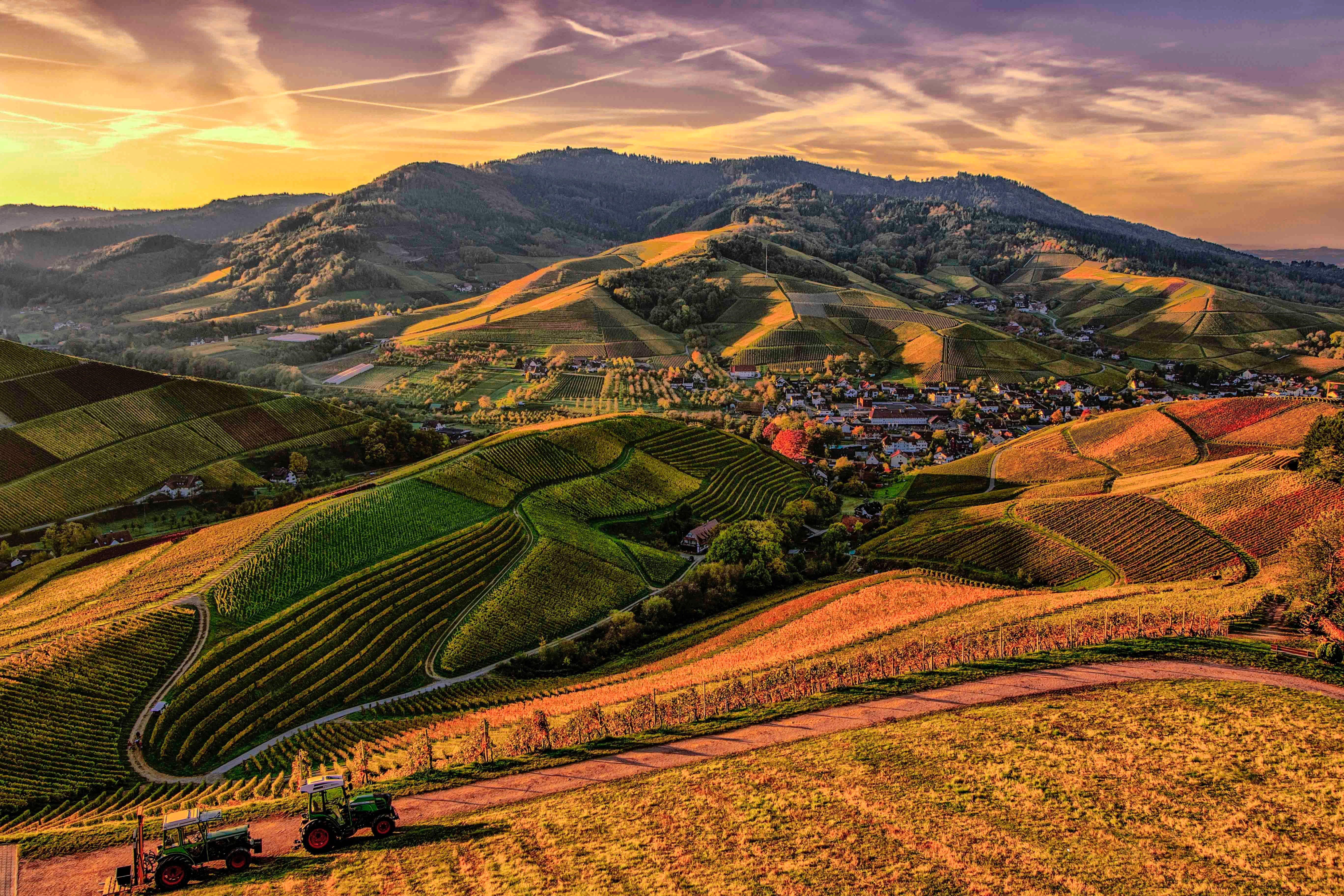 Brown and Green Mountain View Photo, Outdoors, Nature, Mountains, Houses, HQ Photo