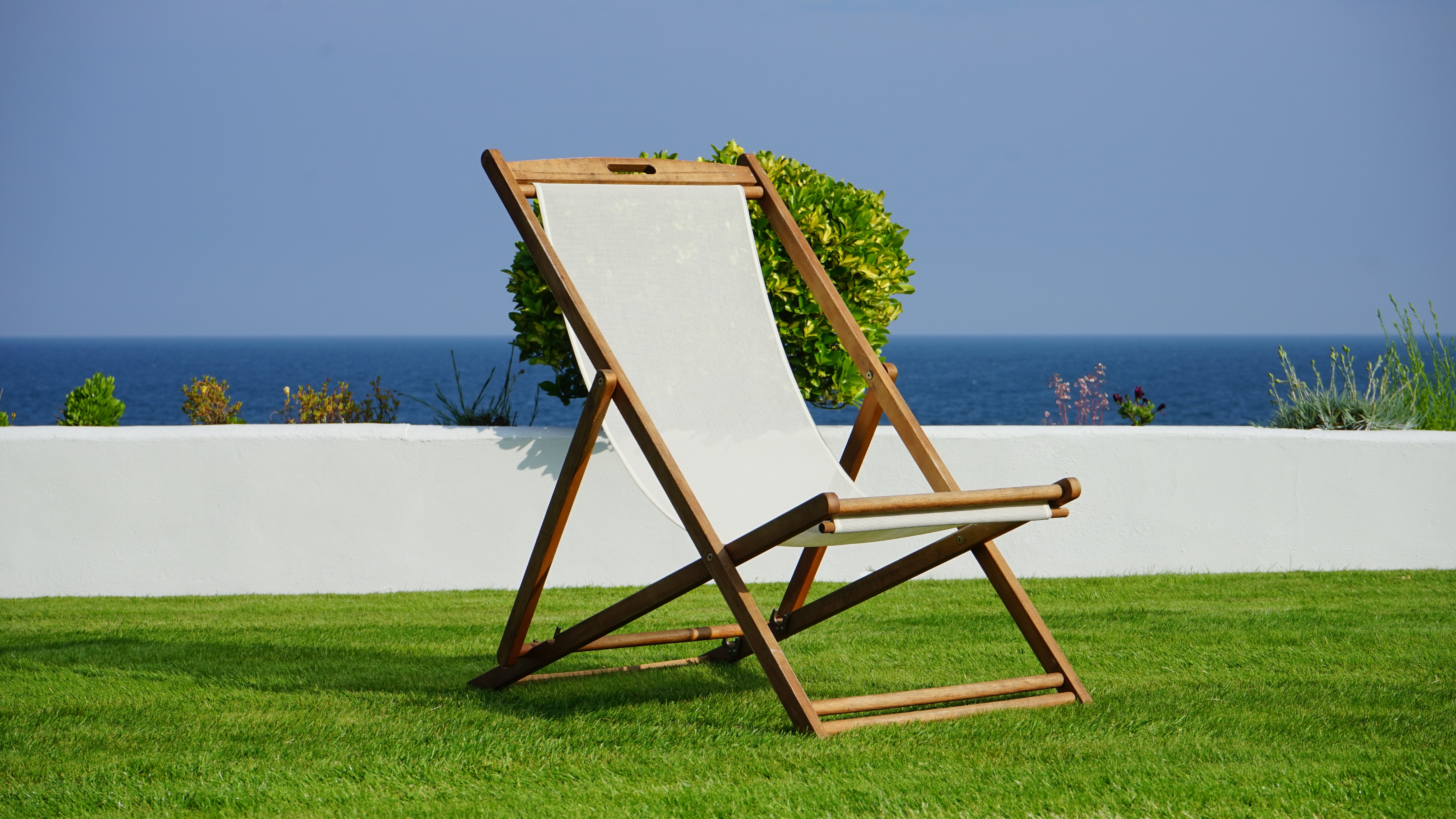 Brown and White Wooden Lounger, Blue, Ocean, Water, Vacation, HQ Photo