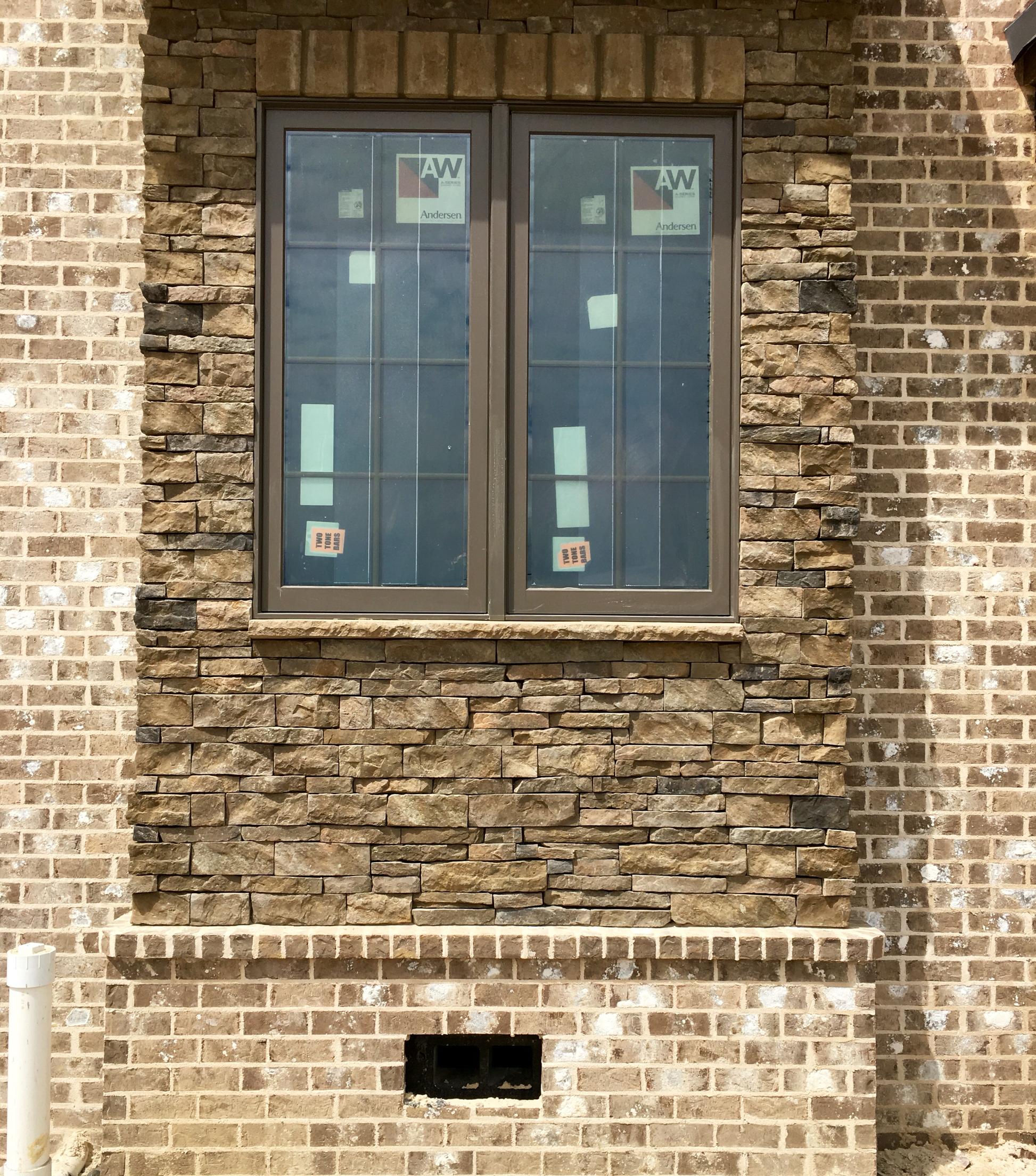 Magnolia Ridge Brick with Ivory Buff Coosa Mortar with Suncrest ...