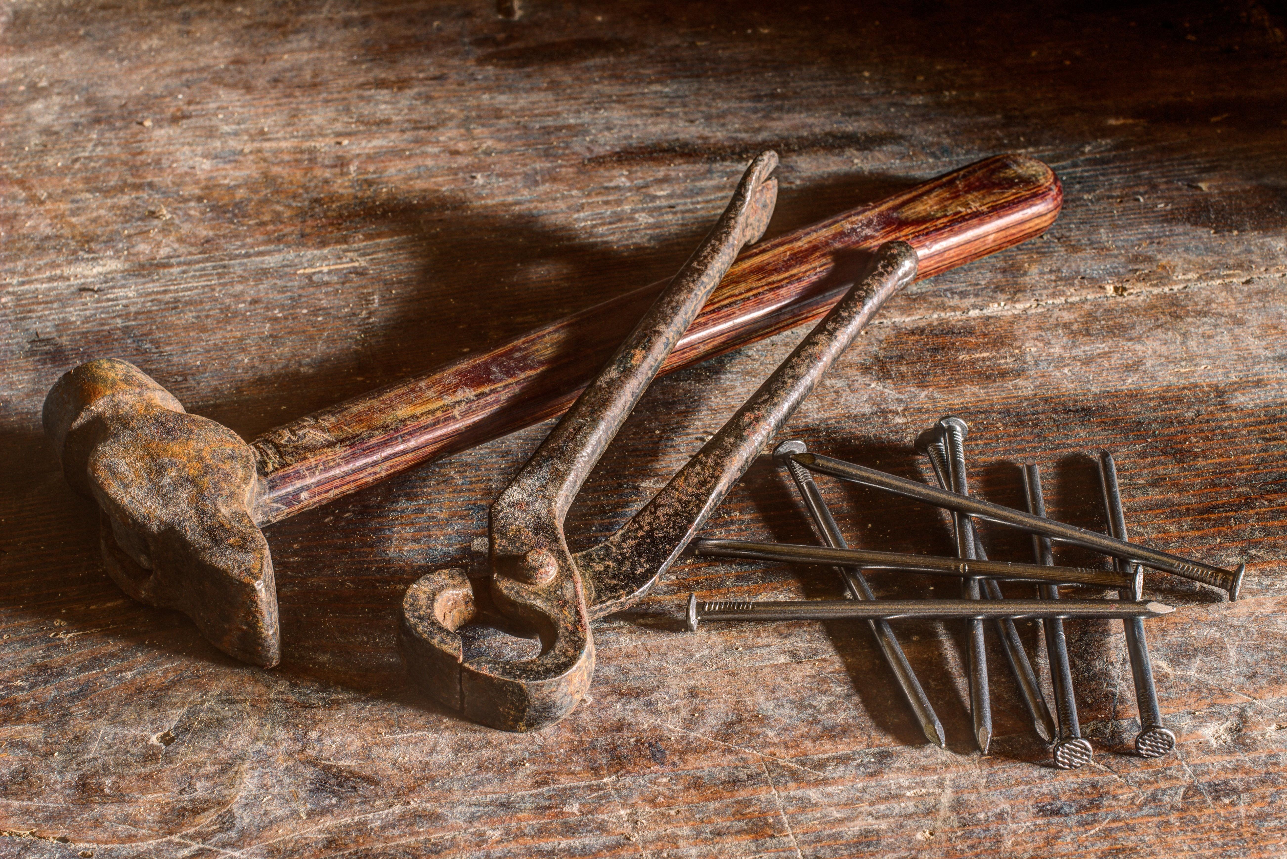 Brown Hammer Near Silver Nail, Hammer, Nails, Old, Rust, HQ Photo