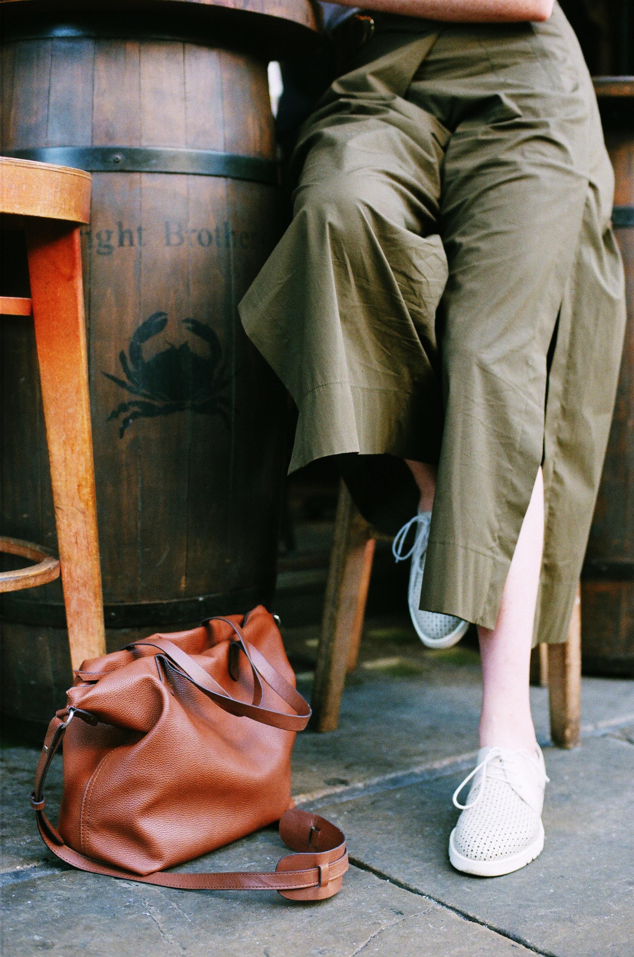 Brown leather 2-way handbag photo