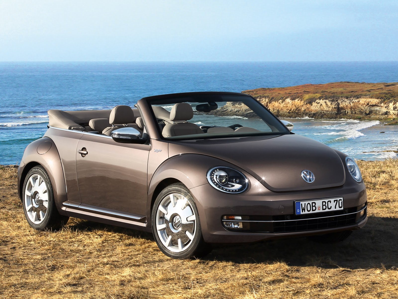 New Car Review: 2013 Volkswagen Beetle Convertible 70s Edition - cars