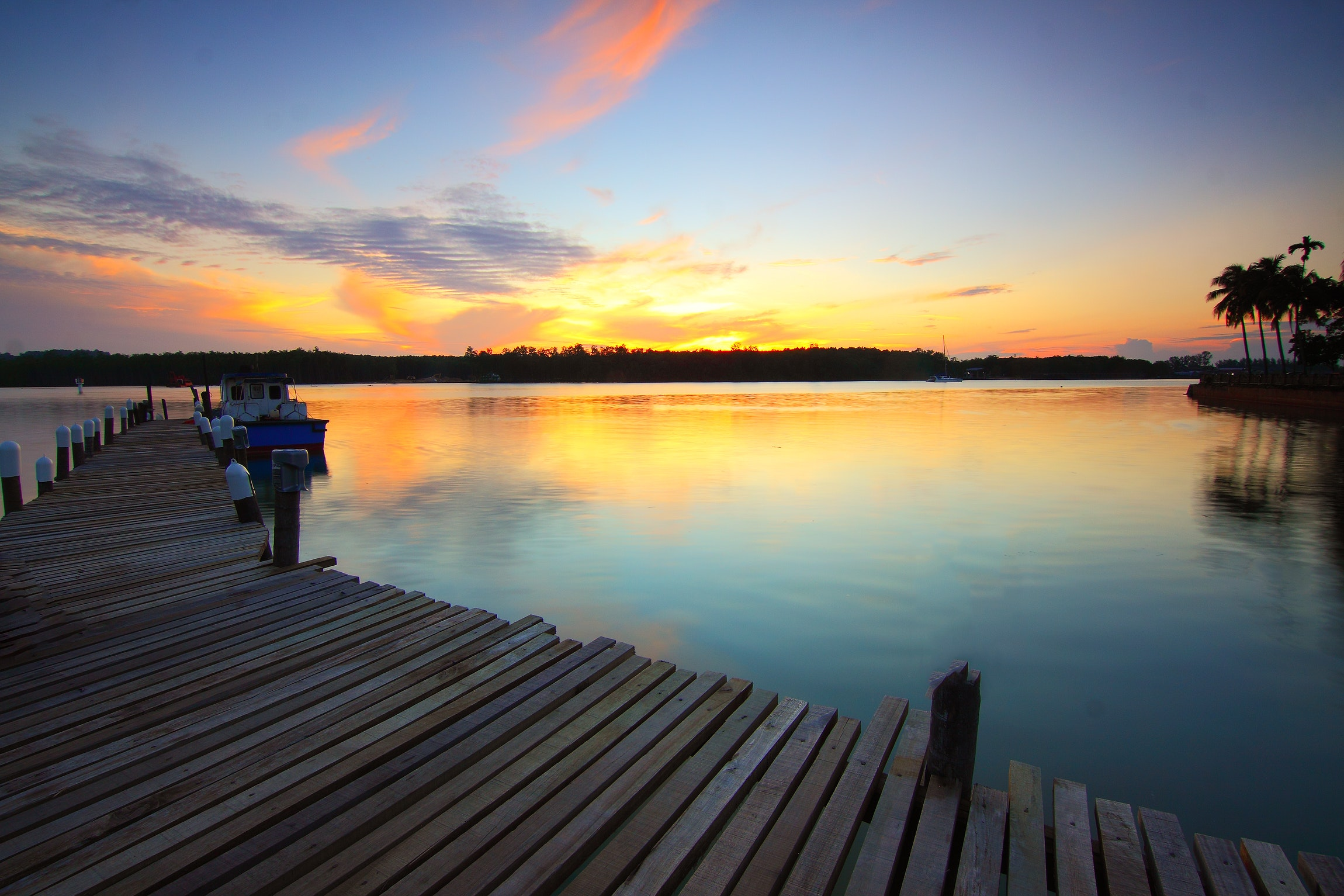 Brown Wooden Dock on Body of Water during Twilight, Boat, Dawn, Dusk, Jetty, HQ Photo