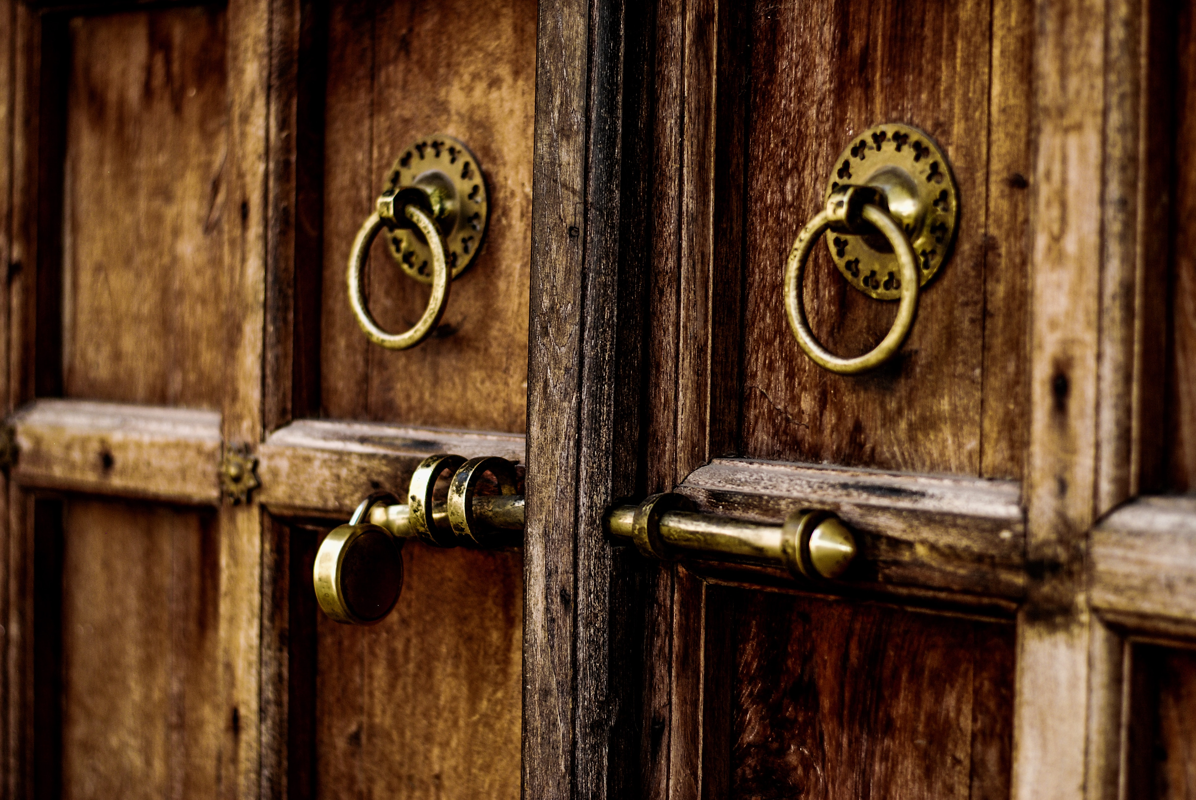 Brown Wooden Door With Locks, Rusty, Rustic, Vintage, Iron, HQ Photo