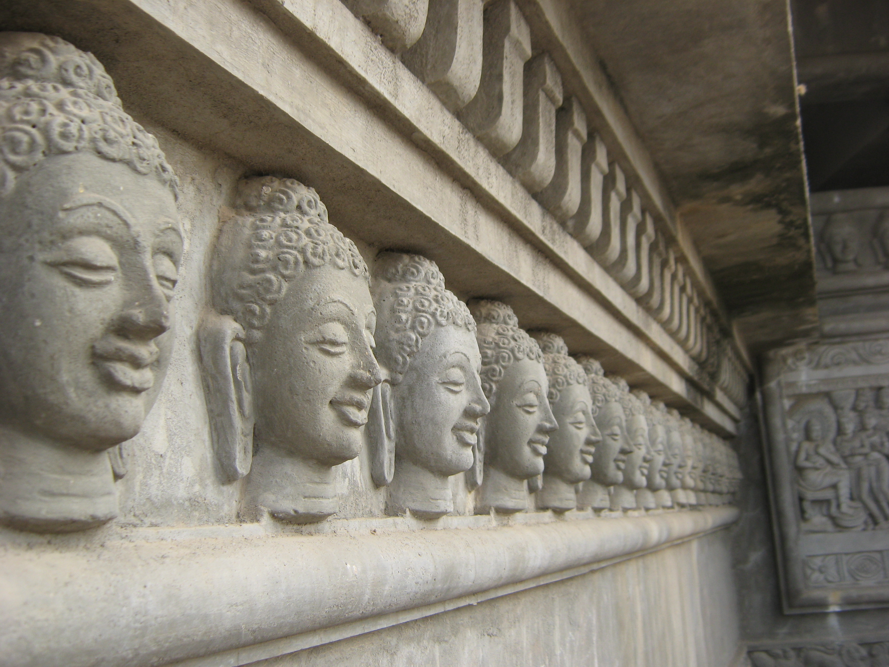Free photo buddha sculpture woman sculpture faces free