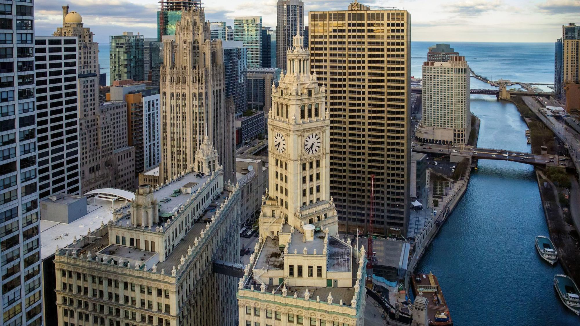 Iconic Wrigley Building expected to go up for sale, could fetch more ...