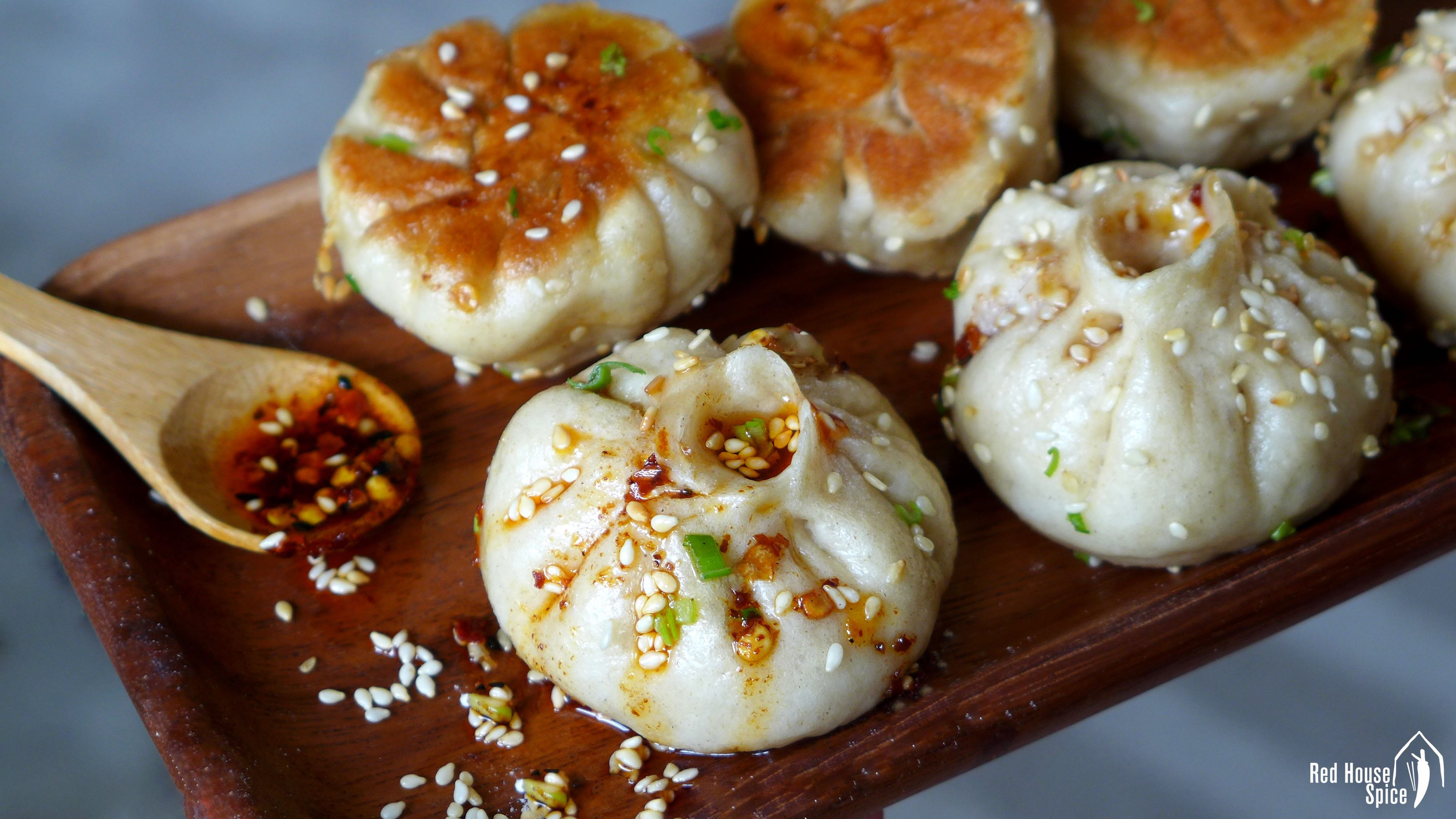 Sheng Jian Bao: Pan-fried pork buns (生煎包) – Red House Spice