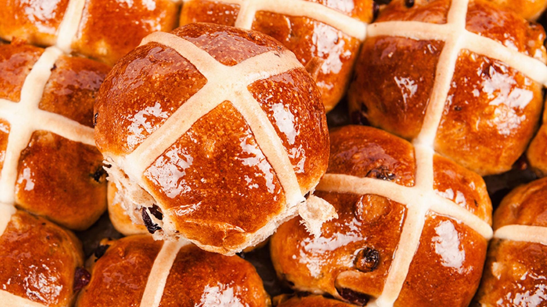 Make Gail's hot-cross buns   Recipes   Foodism