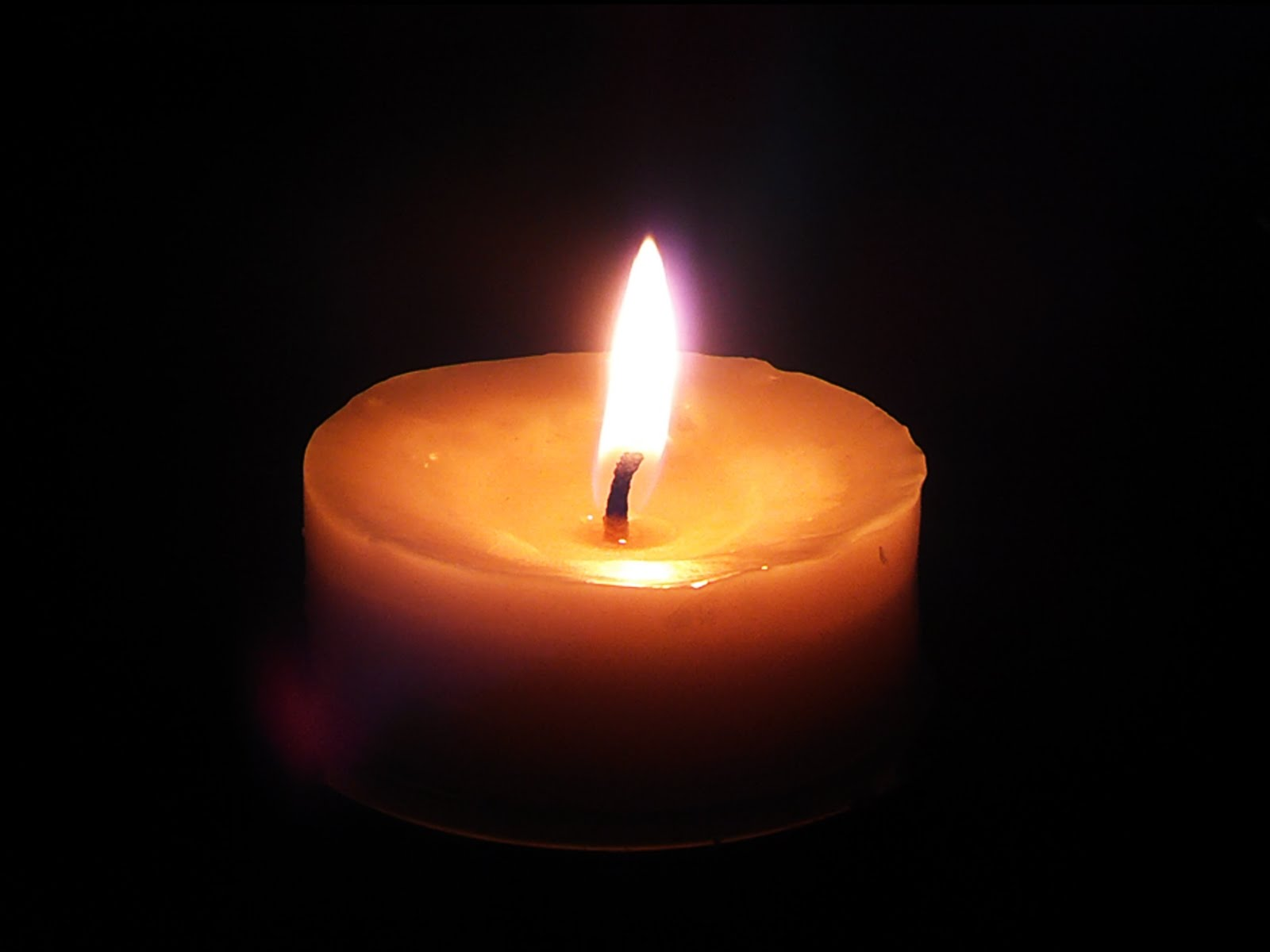 Relaxing Candle Burning flame 10 minutes HD video BEAUTIFUL - YouTube