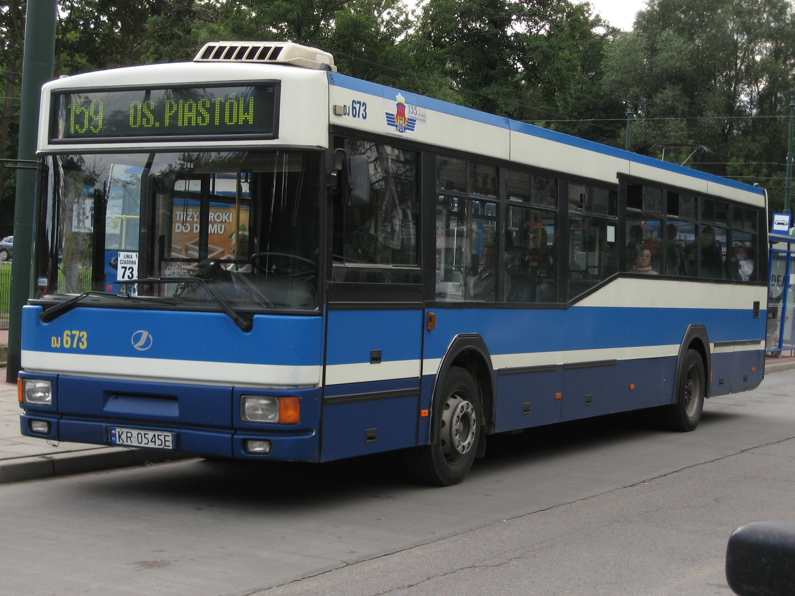 File:Jelcz bus of MPK Kraków at a bus stop on Irgców street (1).jpg ...