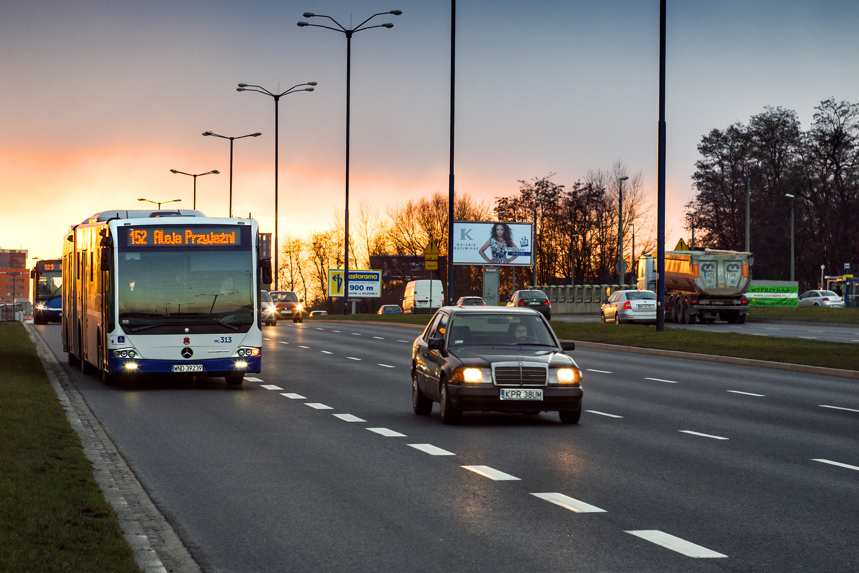 Bus in Krakow, Bus, City, Mercedes, Public, HQ Photo