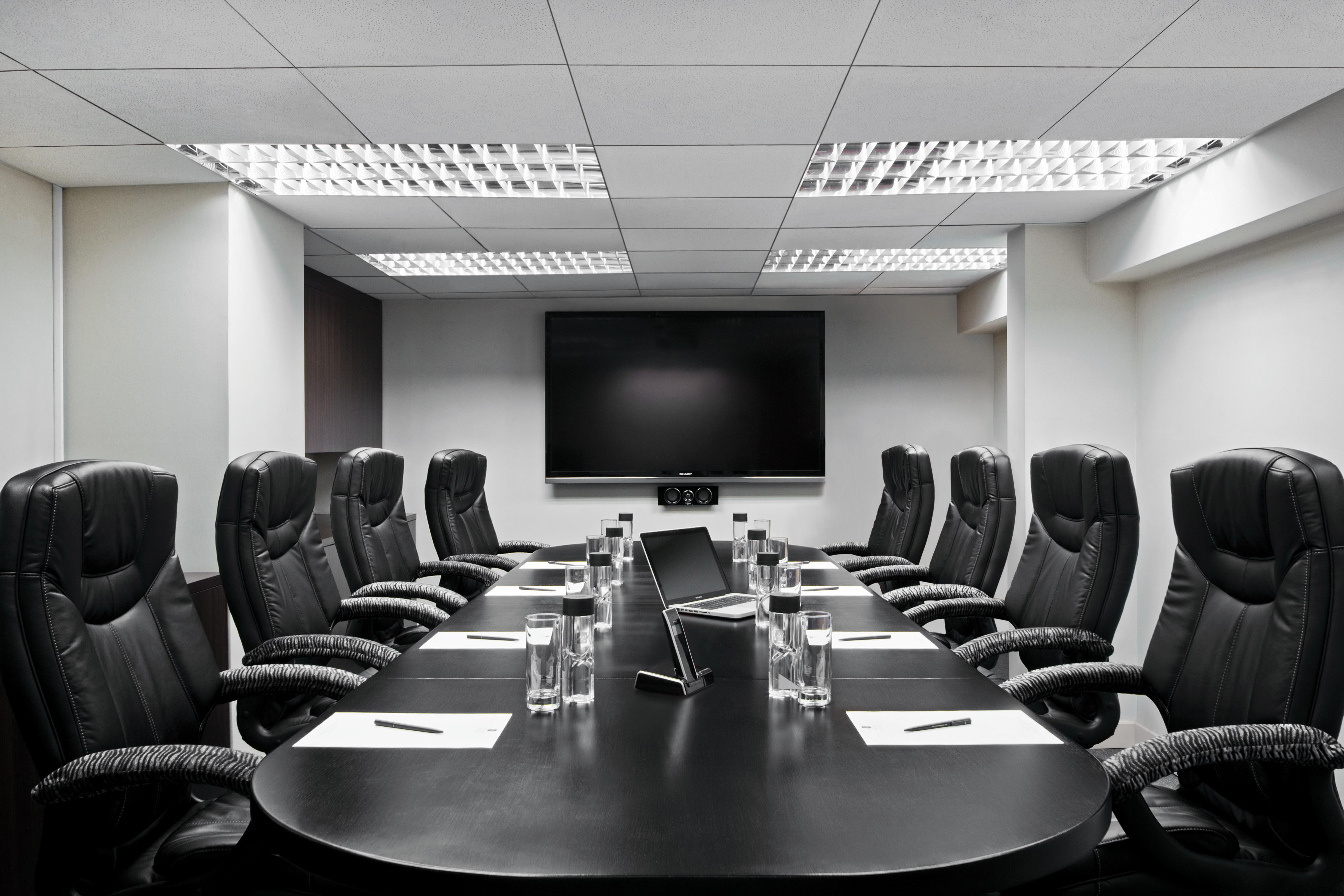 5 Must-Have A/V Products for Your Conference Room | Ubiq