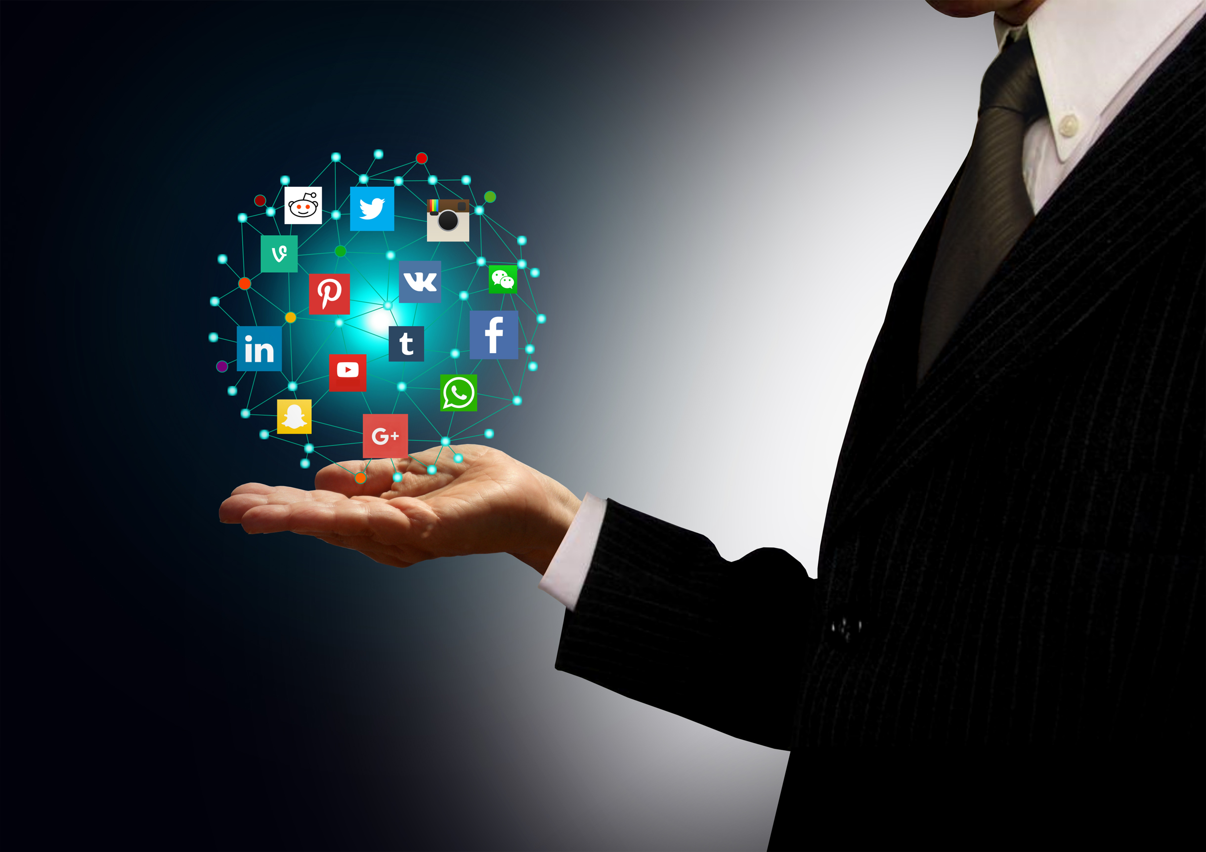 Businessman holding hologram with social media network icons, Adult, Networking, Presenting, Pollution, HQ Photo