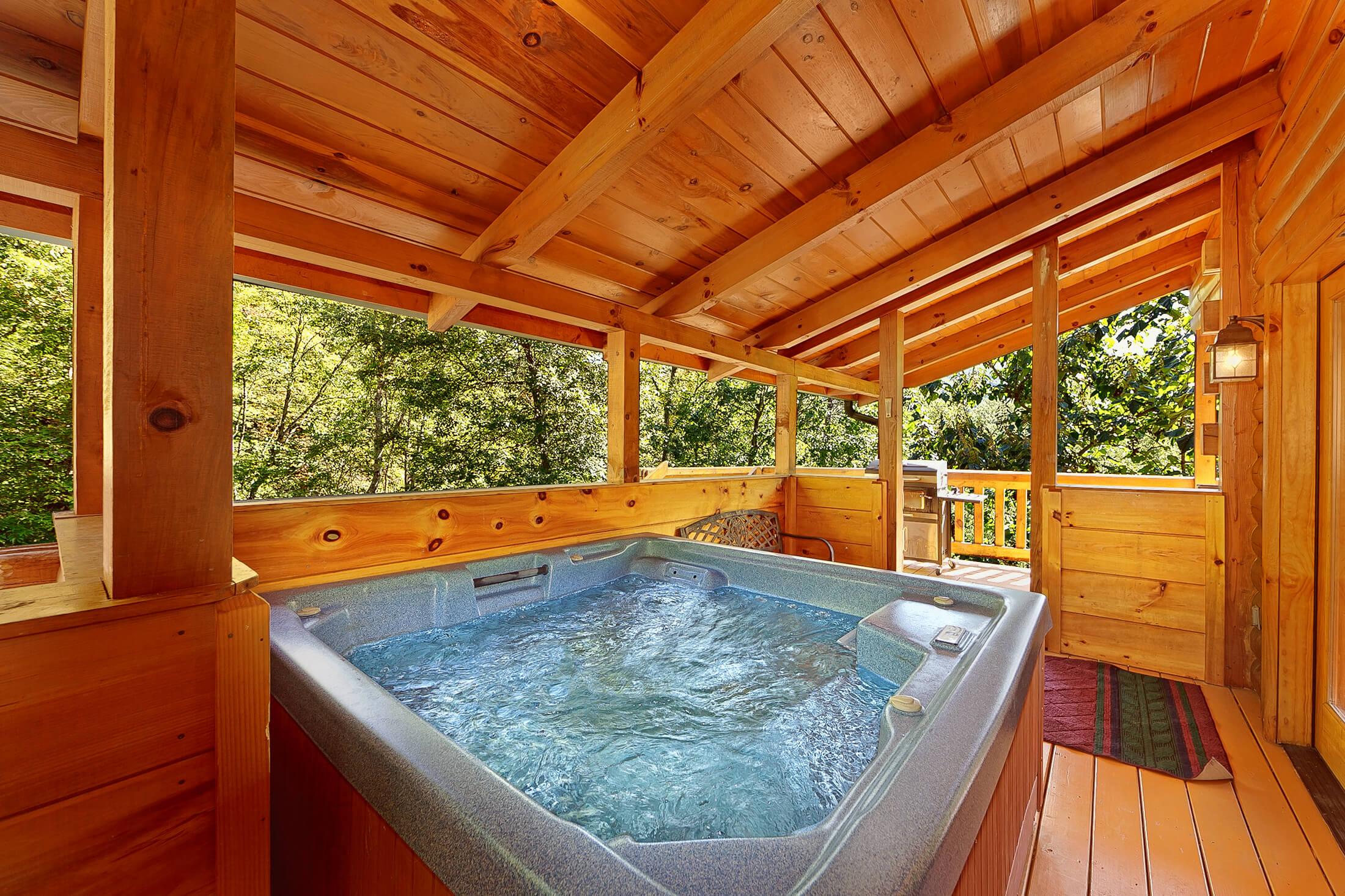 Secluded Hideaway cabin in Pigeon Forge | Elk Springs Resort