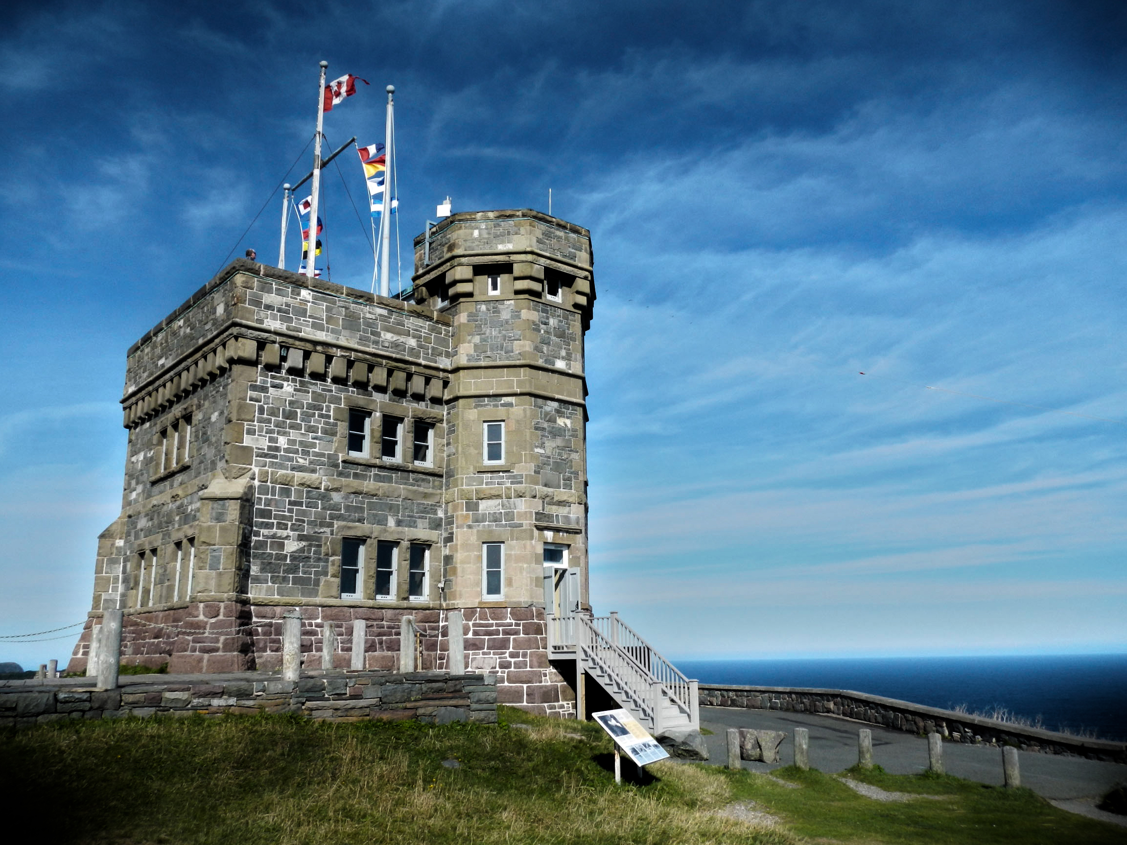 File:Cabot Tower - Signal Hill.jpg - Wikimedia Commons