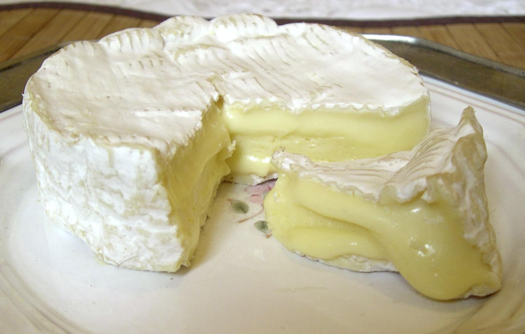 File:Camembert.JPG - Wikimedia Commons