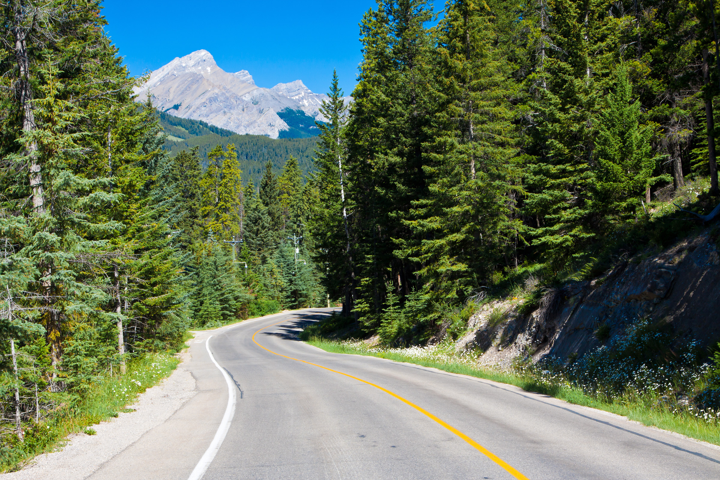 Five great Canadian roads you need to drive one day | Driving