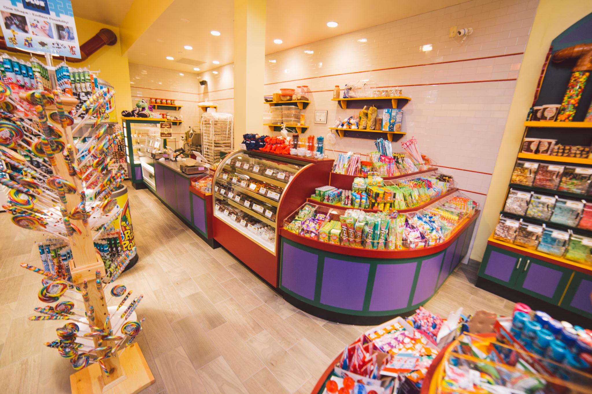 Fuzziwig's Candy Factory - Pheasant Lane Mall - Nashua, NH - MRG ...