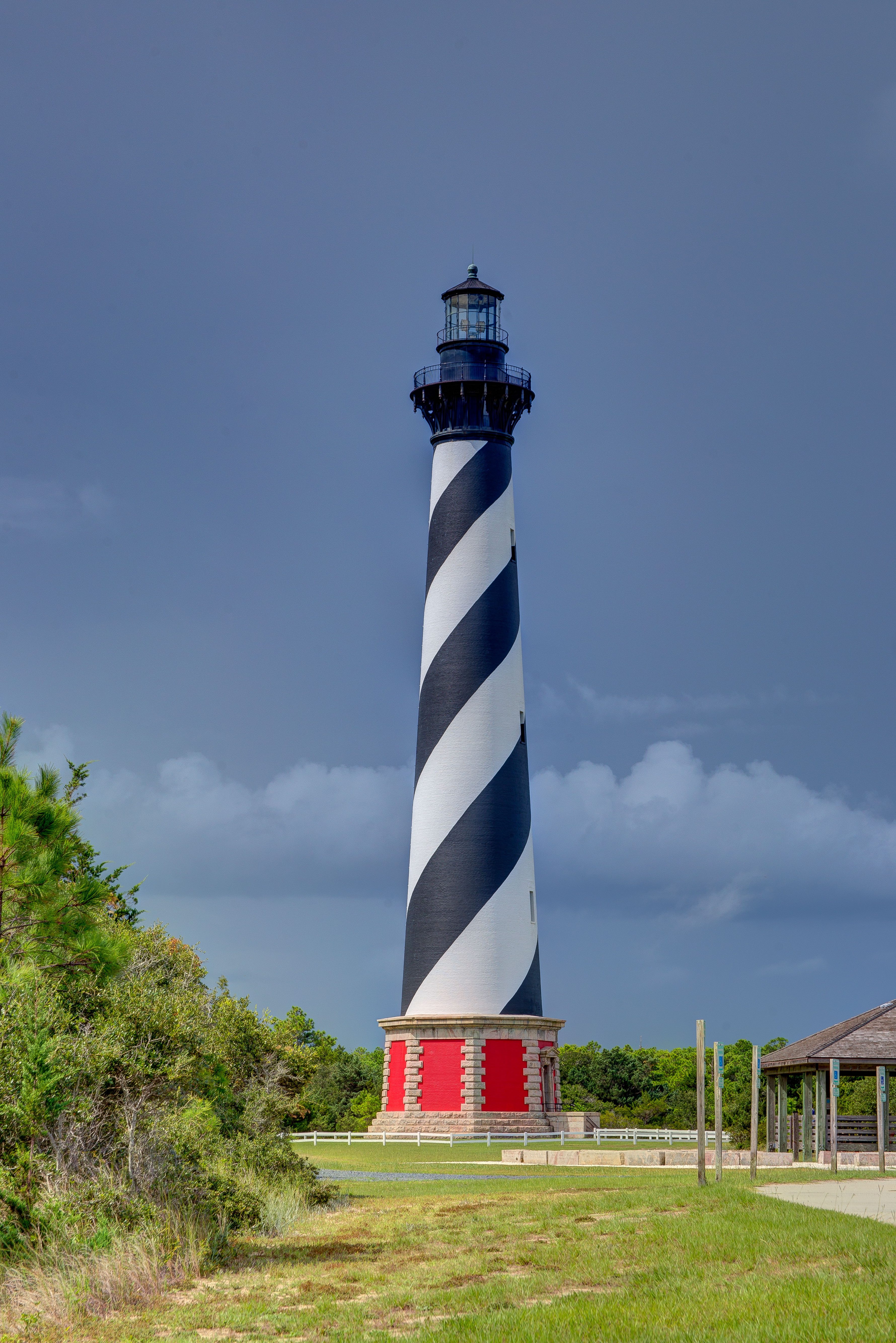 Cape-Hatteras-lighthouse-with-a-storm-in-background - Outer Beaches ...