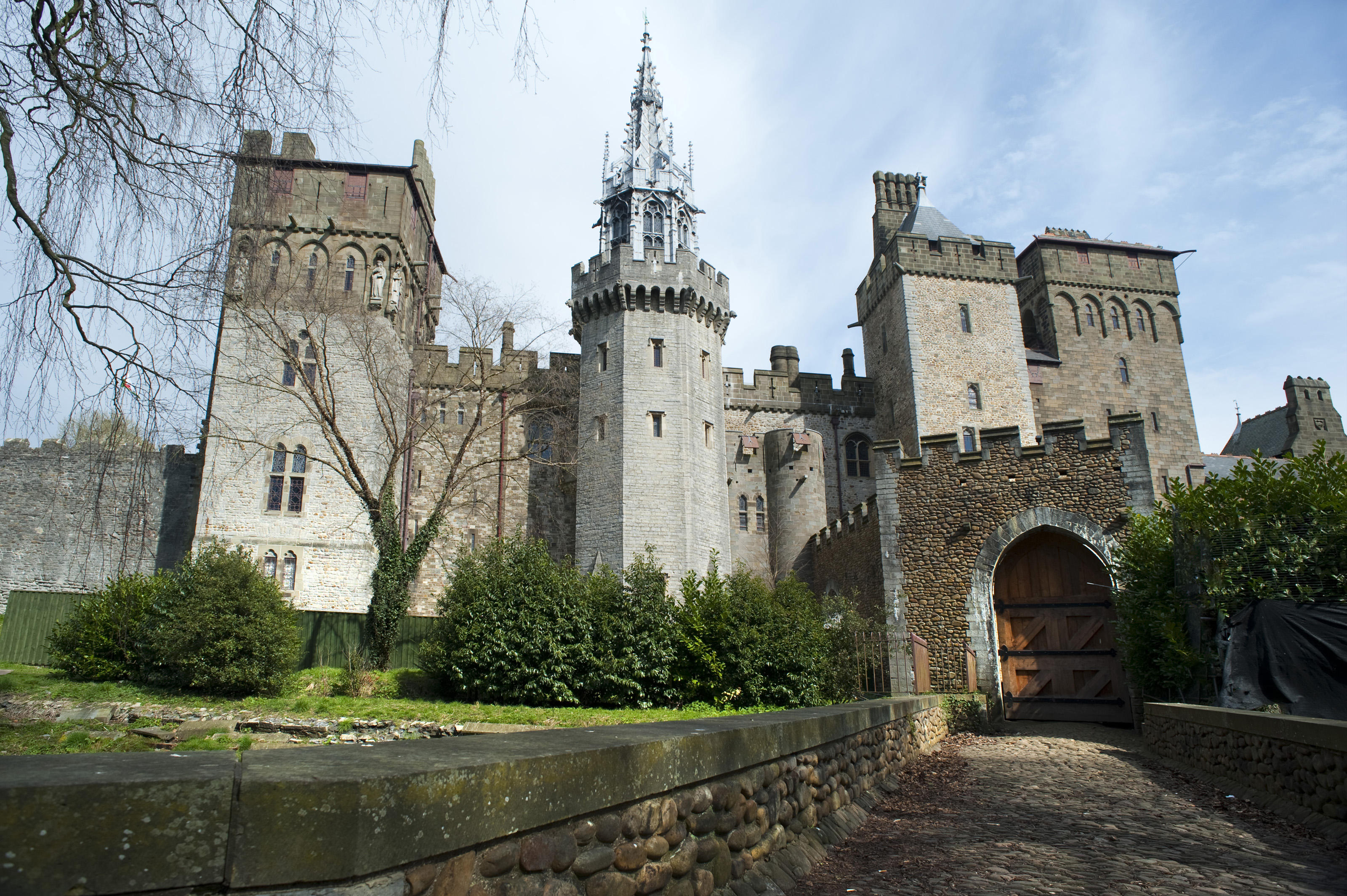 Cardiff Castle Apartments Wallpaper - HD Wallpapers