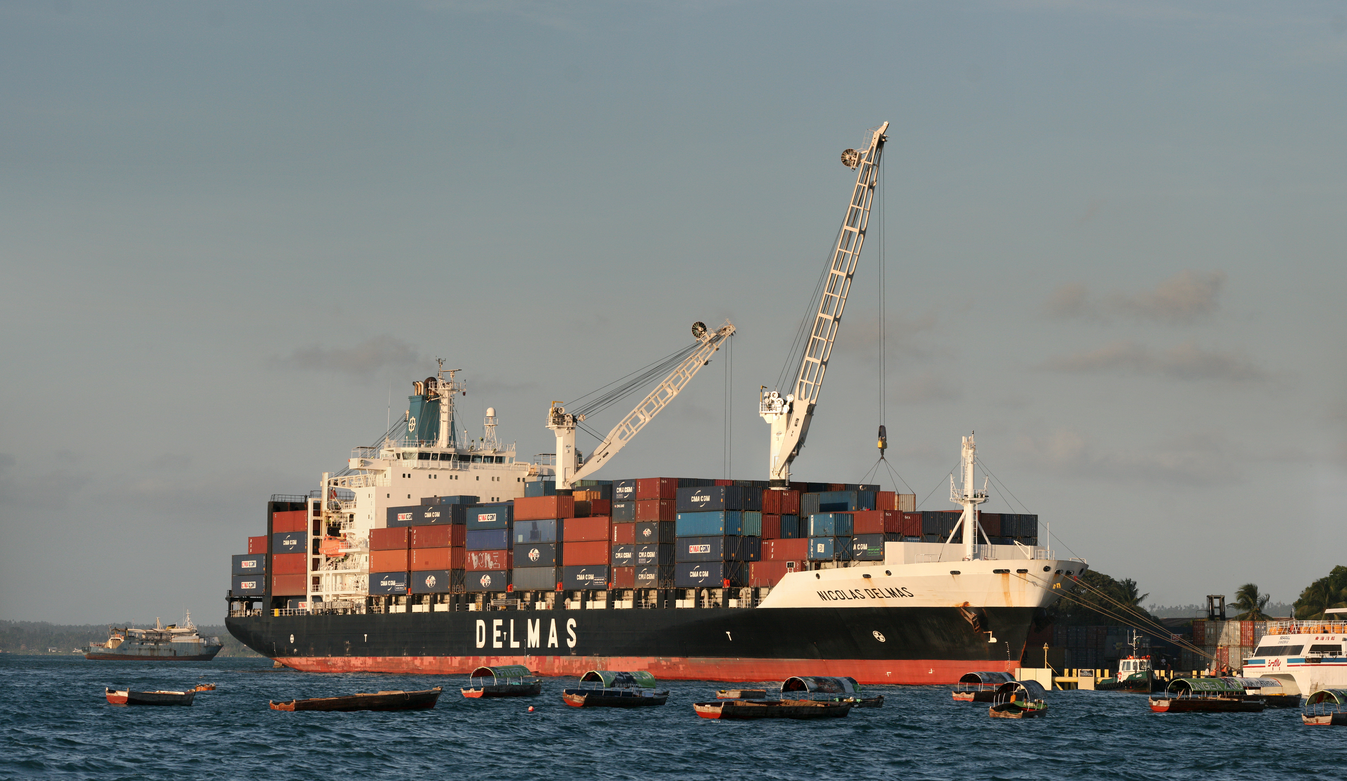 Container vessel photo