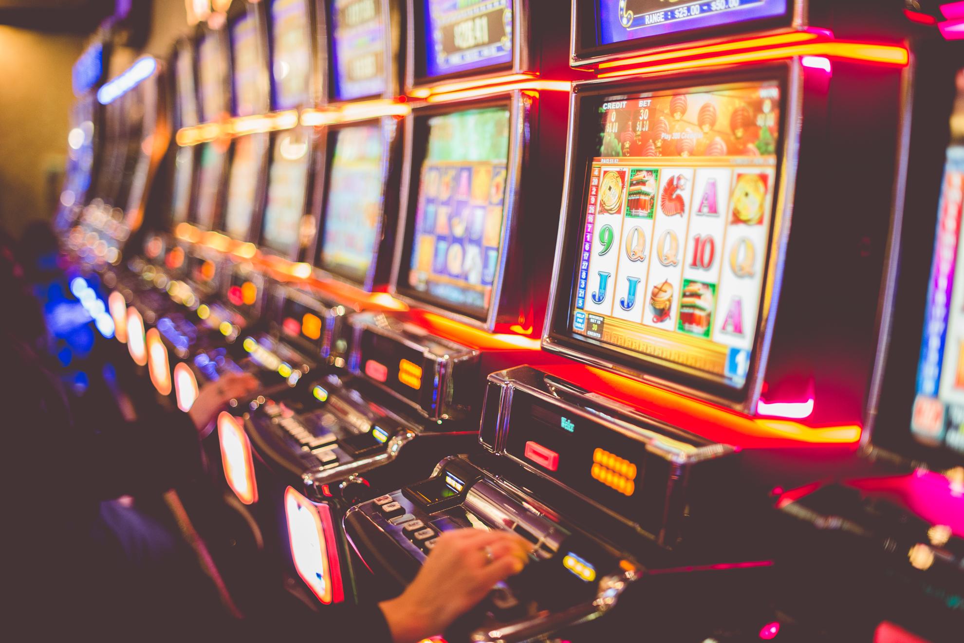 Casino - Seven Feathers Casino Resort