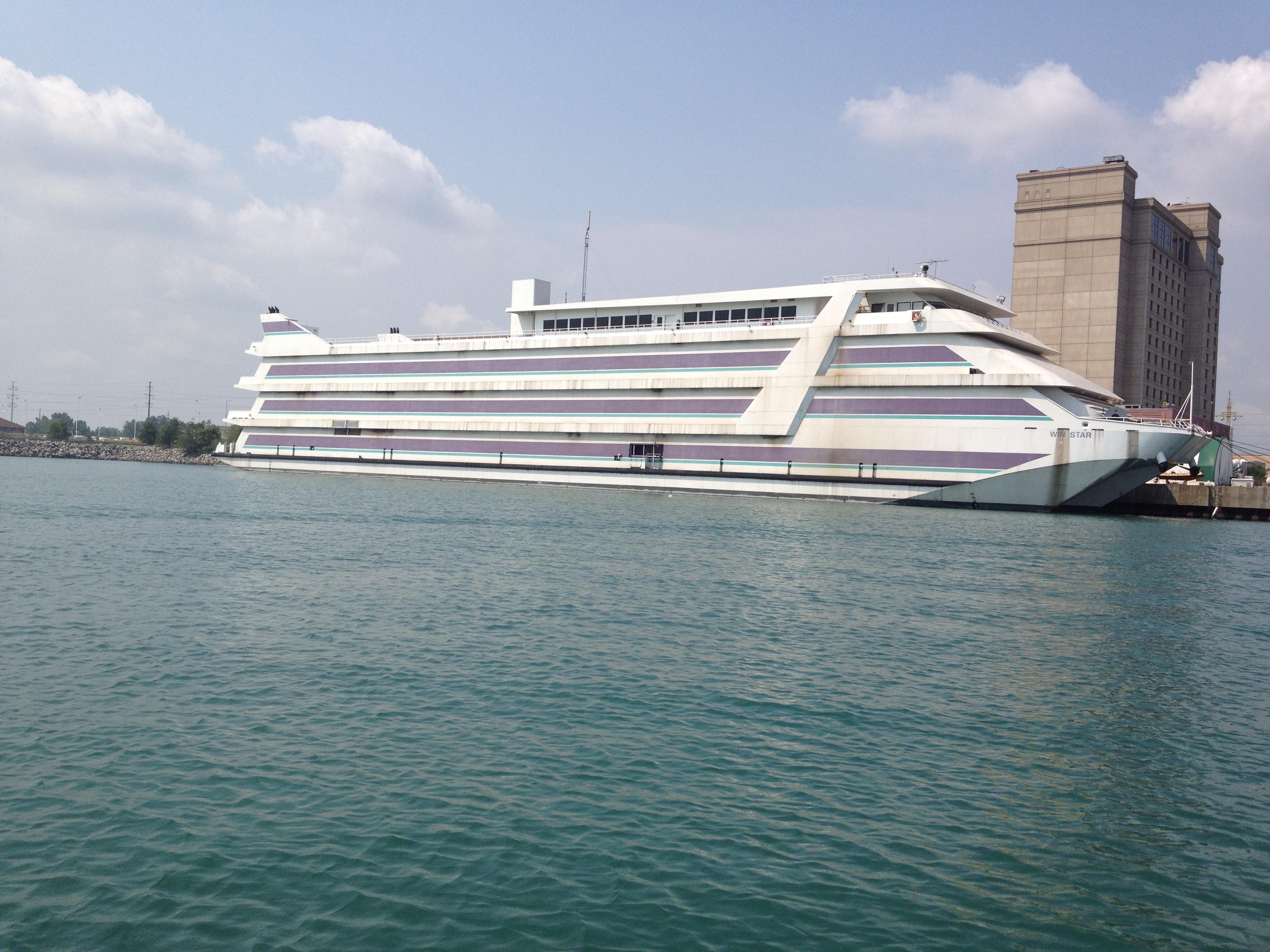 File:Win Star casino boat, July 1 2012.JPG - Wikimedia Commons