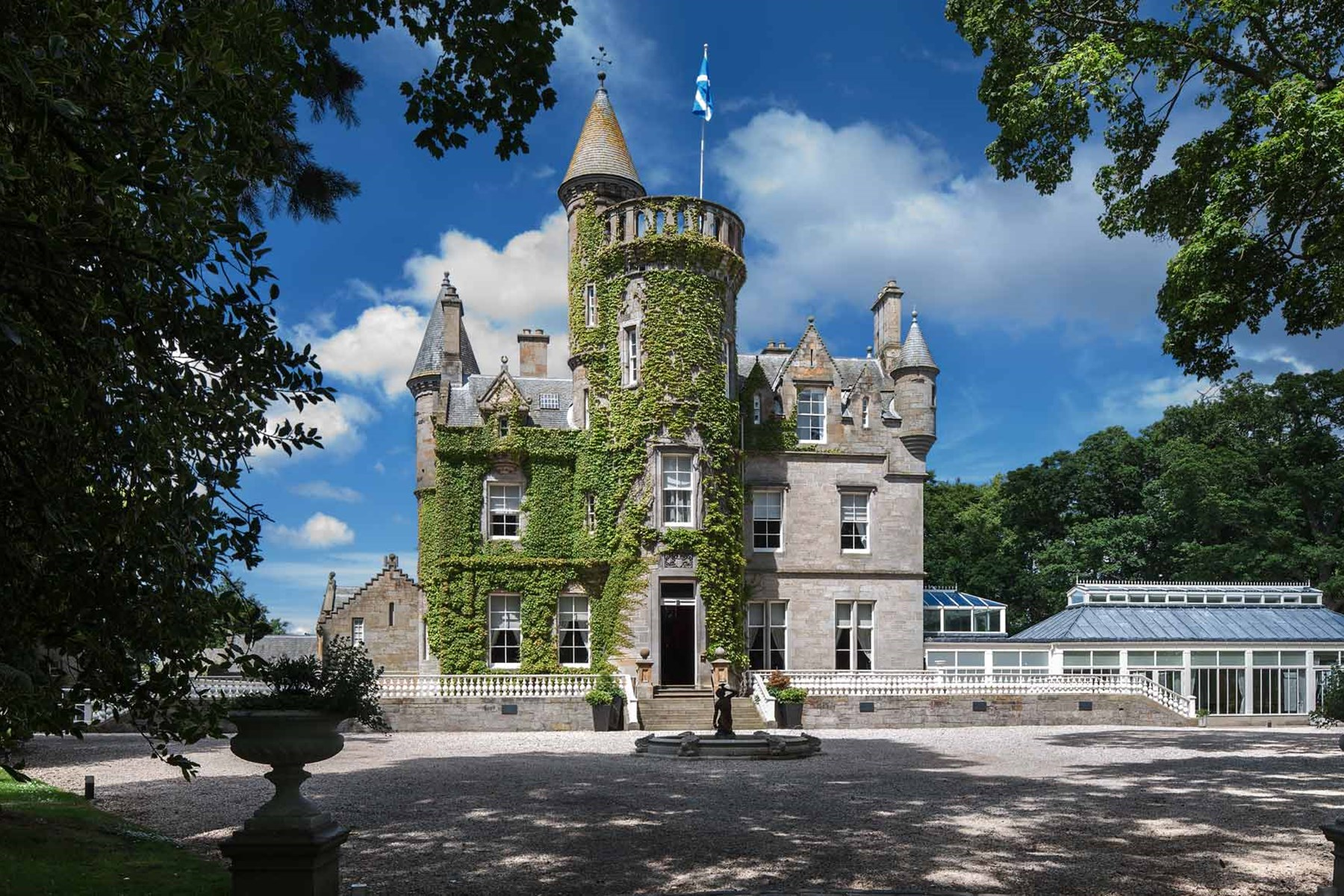 Carlowrie Castle - Luxurious Hotel Castle Accommodation in Edinburgh ...
