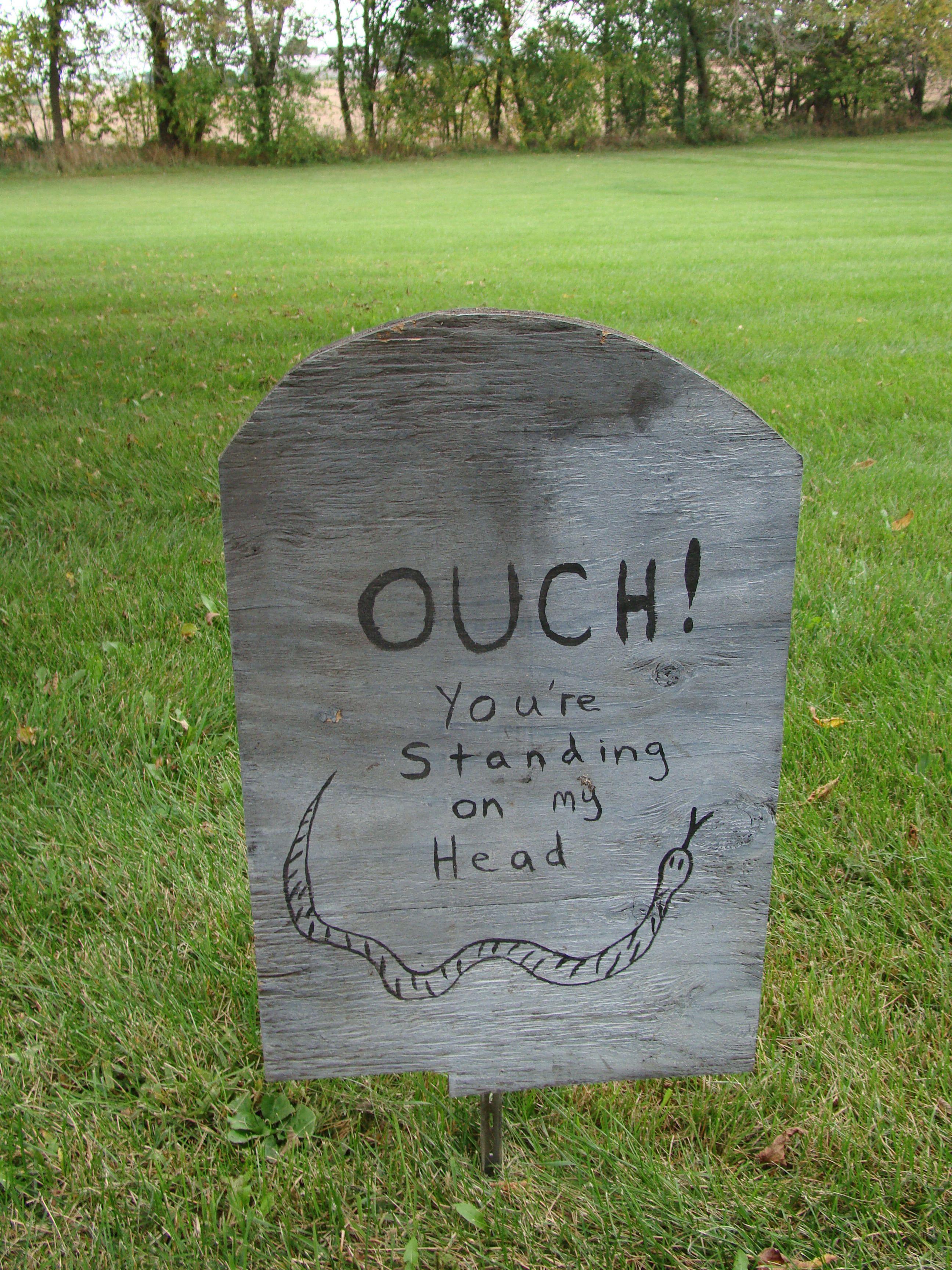 Halloween decoration - funny tombstone | halloween | Pinterest