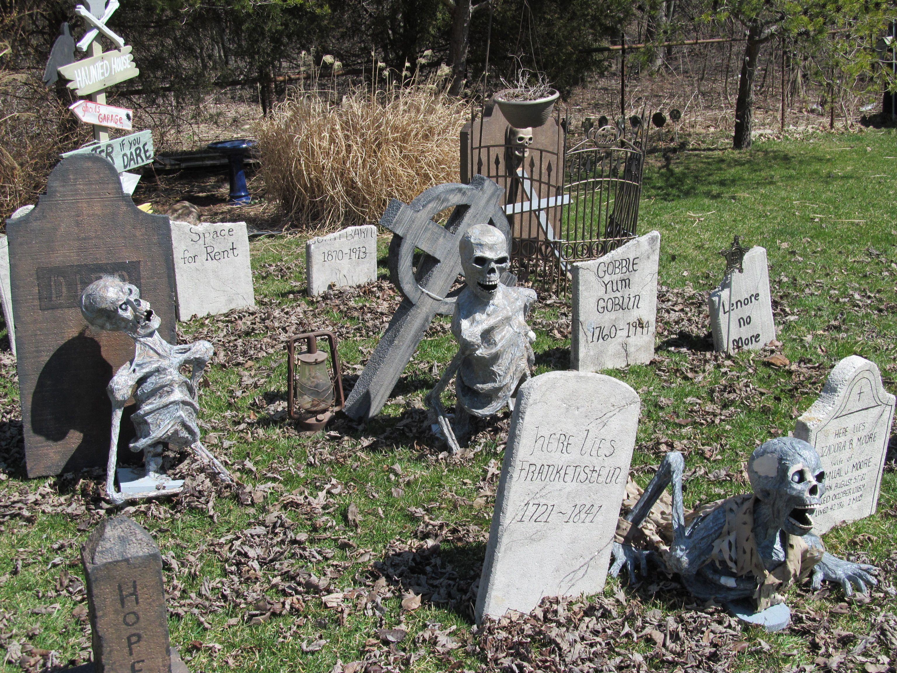 Halloween graveyard corpses. | Halloween Decorations | Pinterest ...