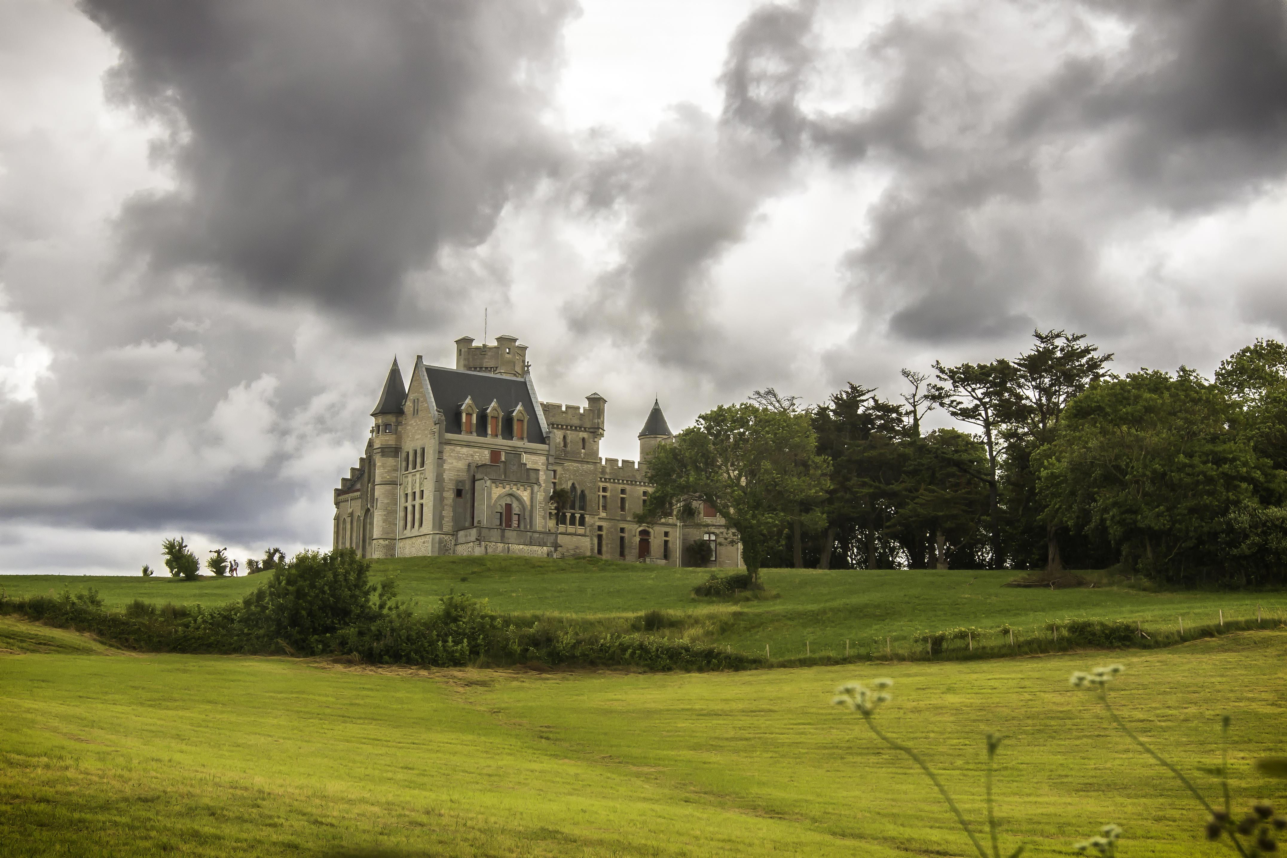 Château dans la tourmente, Chateau, Cloud, Field, France, HQ Photo