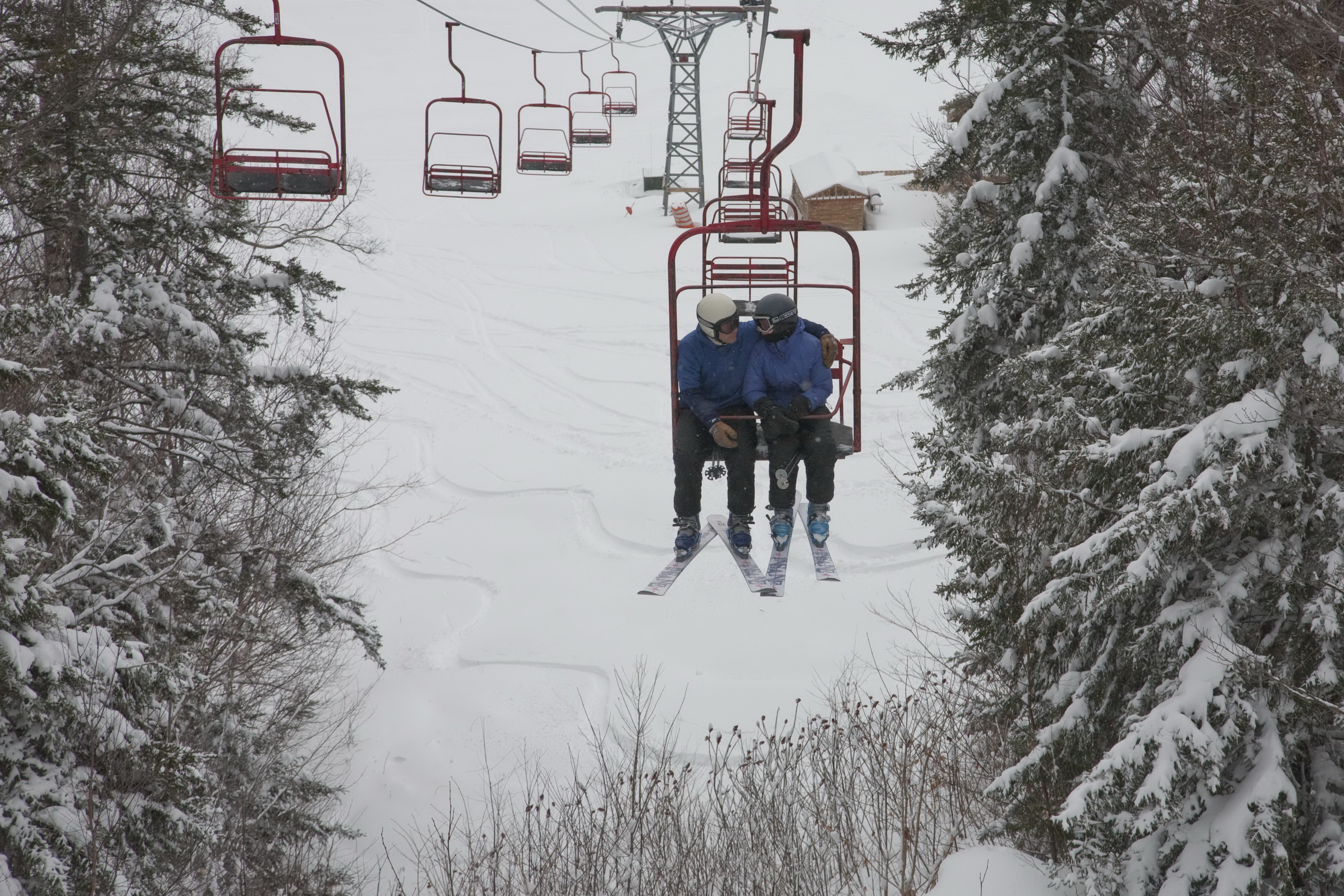 Best Chairlift Pick Up Lines: Cupid on Skis