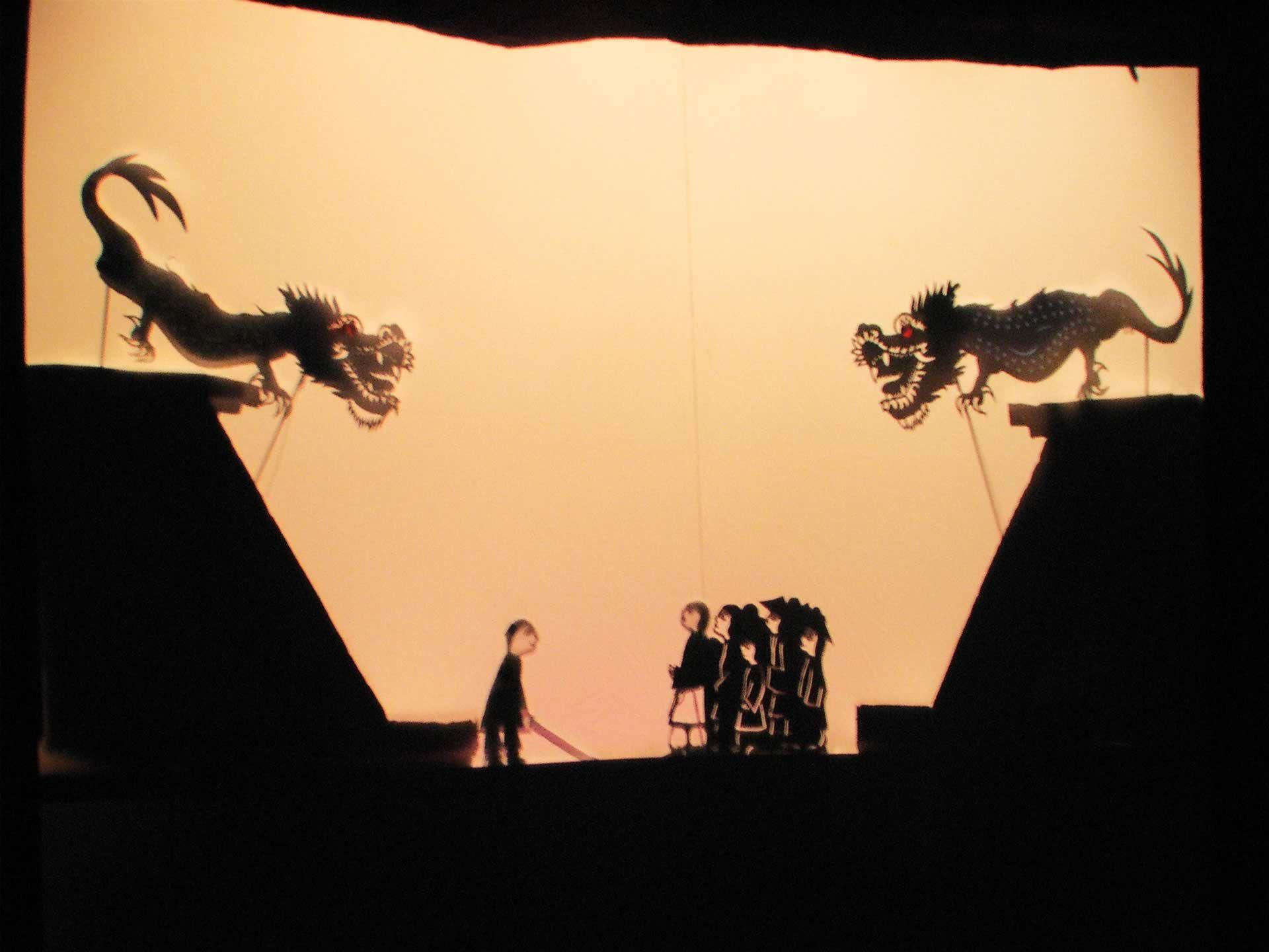 Shadow...puppeto....SHADOWS!