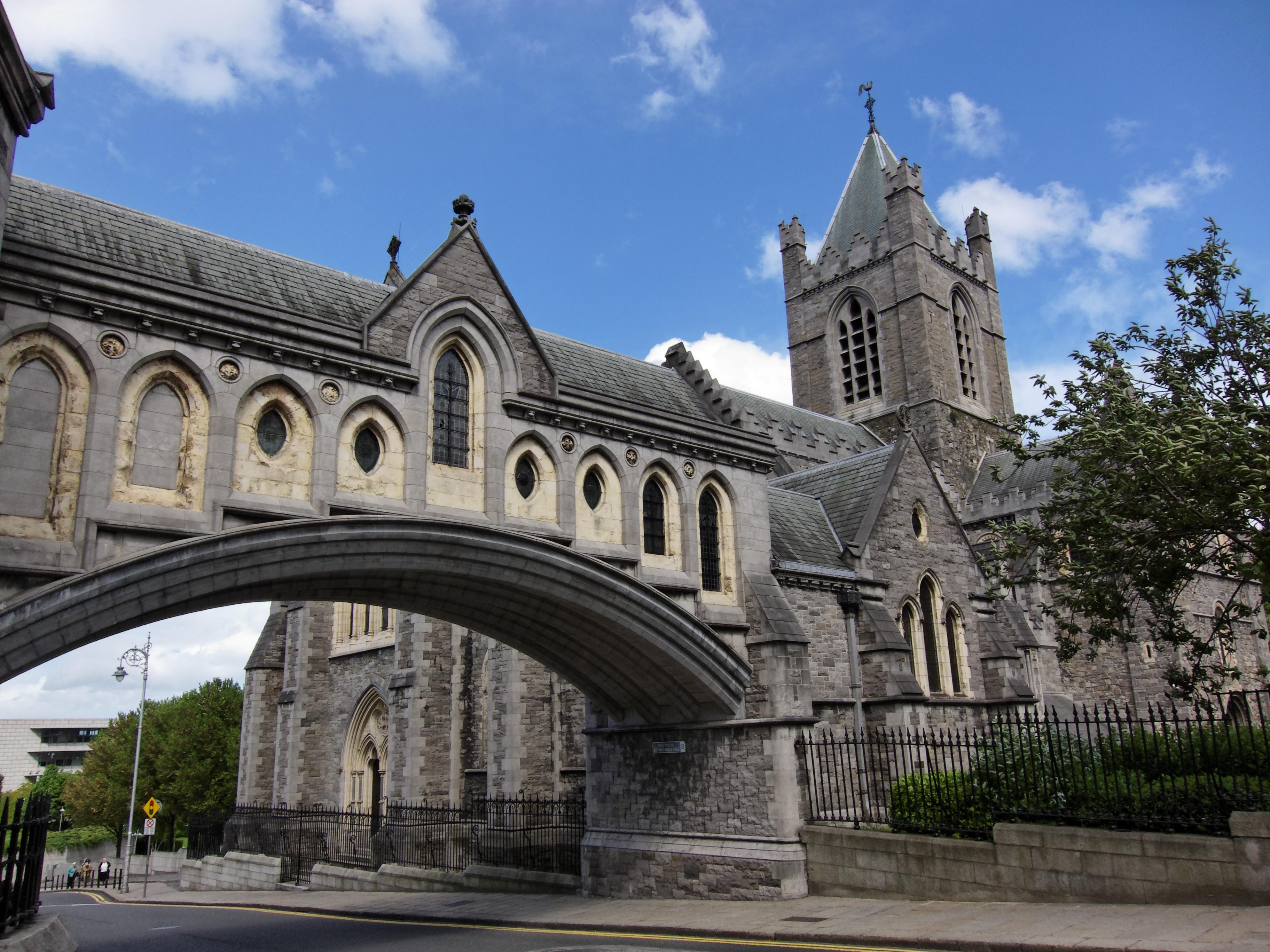 File:Dublin - Christ Church Cathedral - 110508 143136.jpg ...