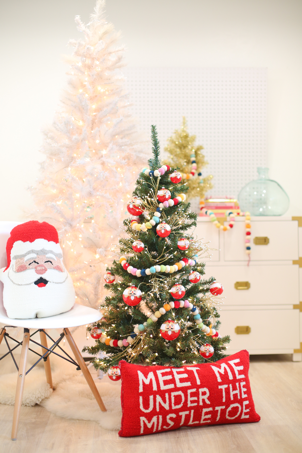 Christmas Decoration Idea: A Mini Tree in the Kids' Room | Lovely Indeed