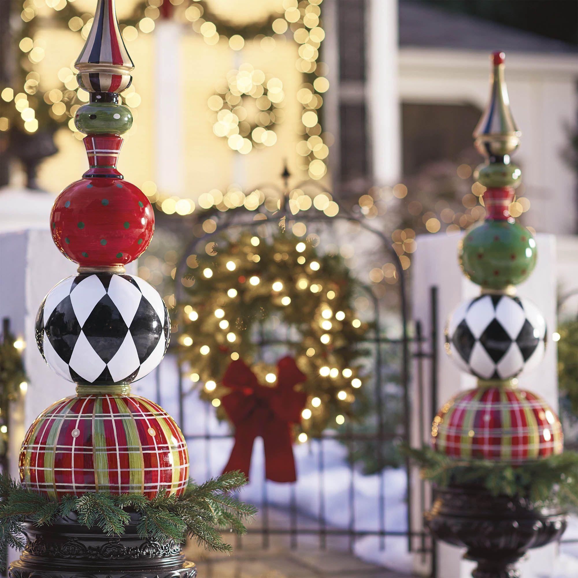 13 Outdoor Christmas Decoration Ideas - Stylish Outside Christmas ...
