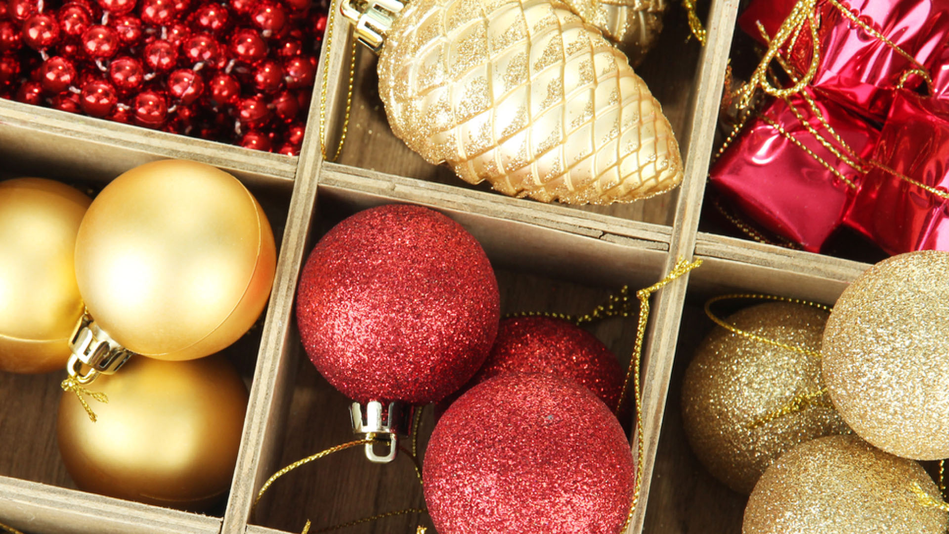 Self Storage: Easier Way to Store Christmas Decorations