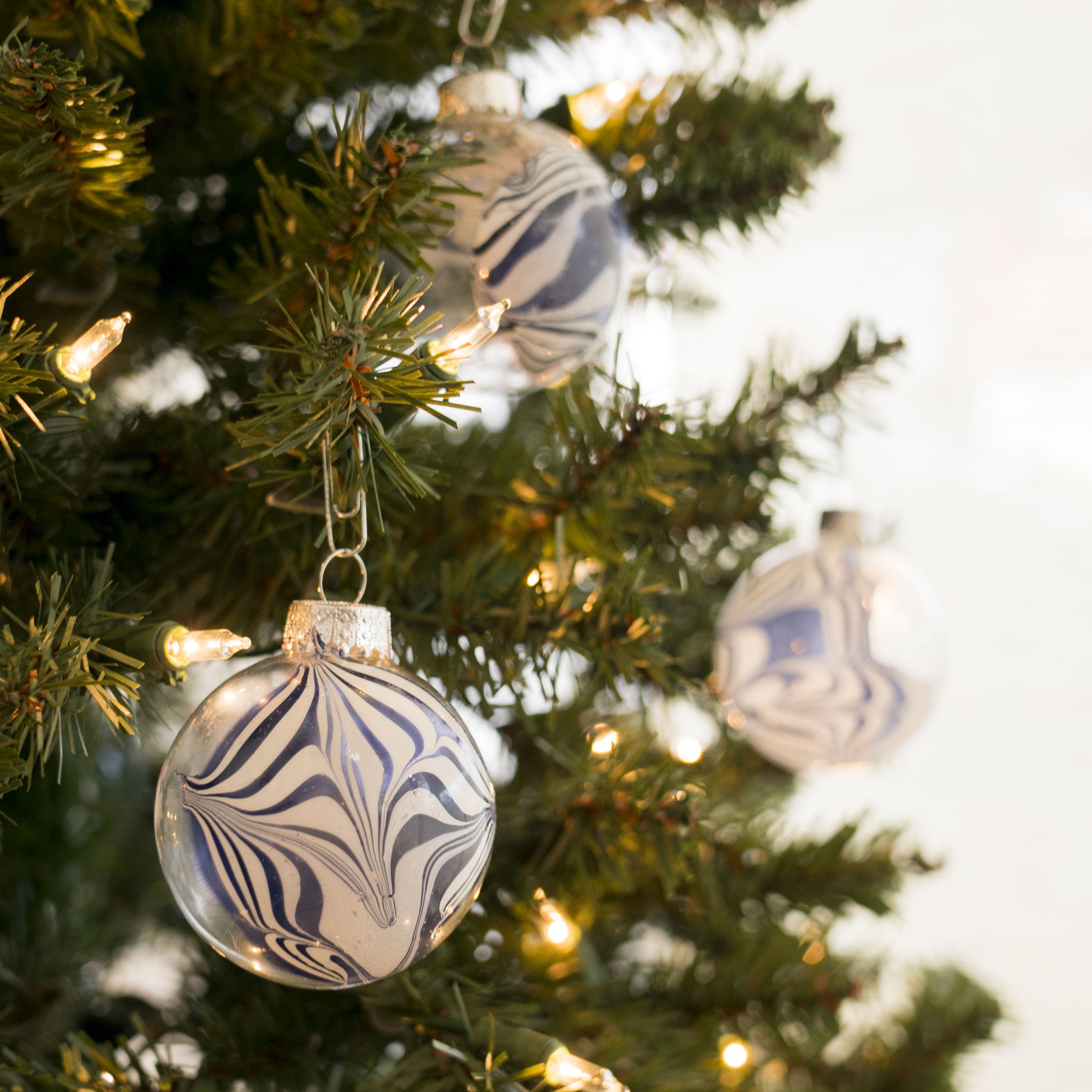 10 Homemade Christmas Ornaments for Kids