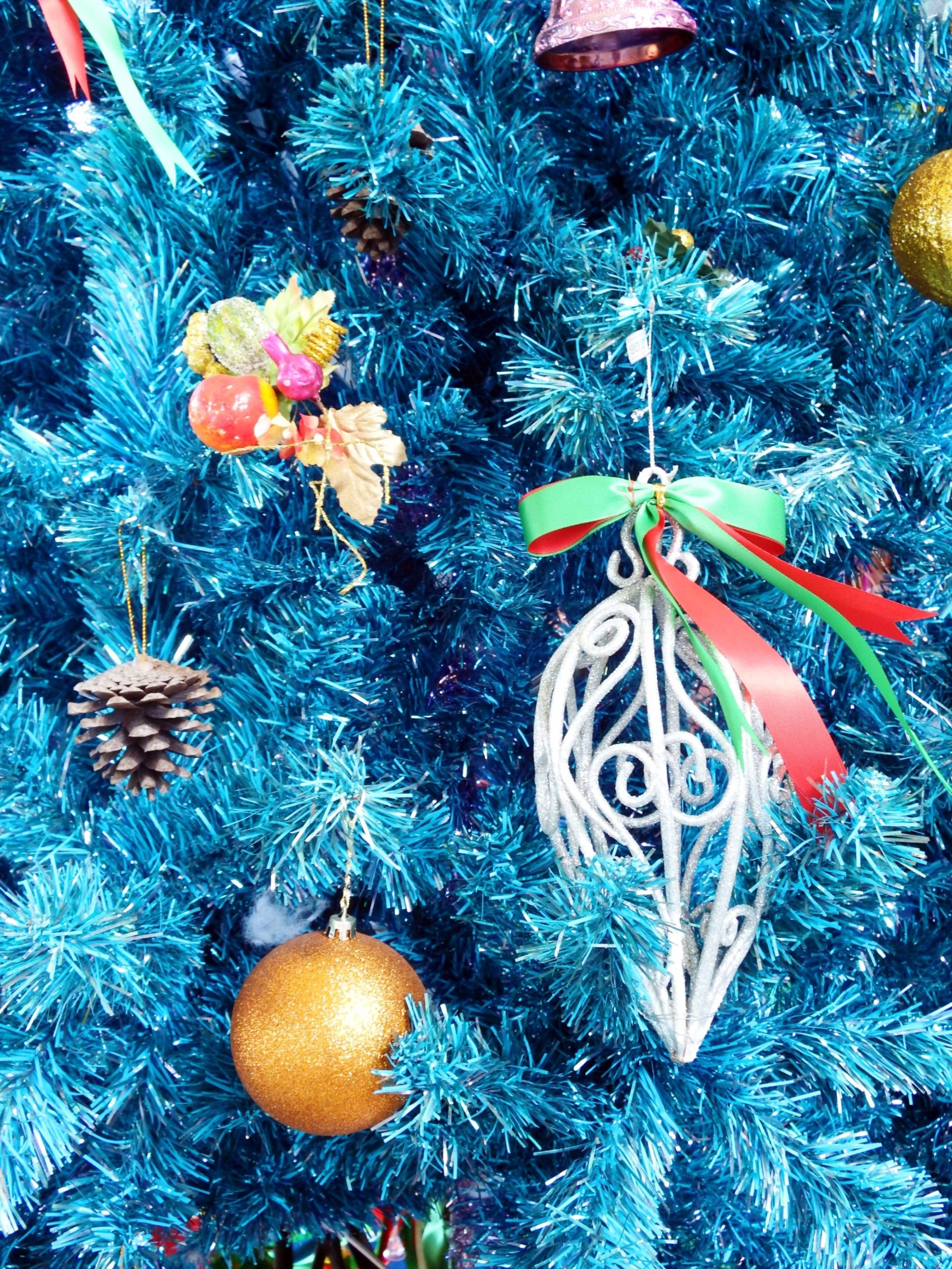 Christmas tree decorations photo