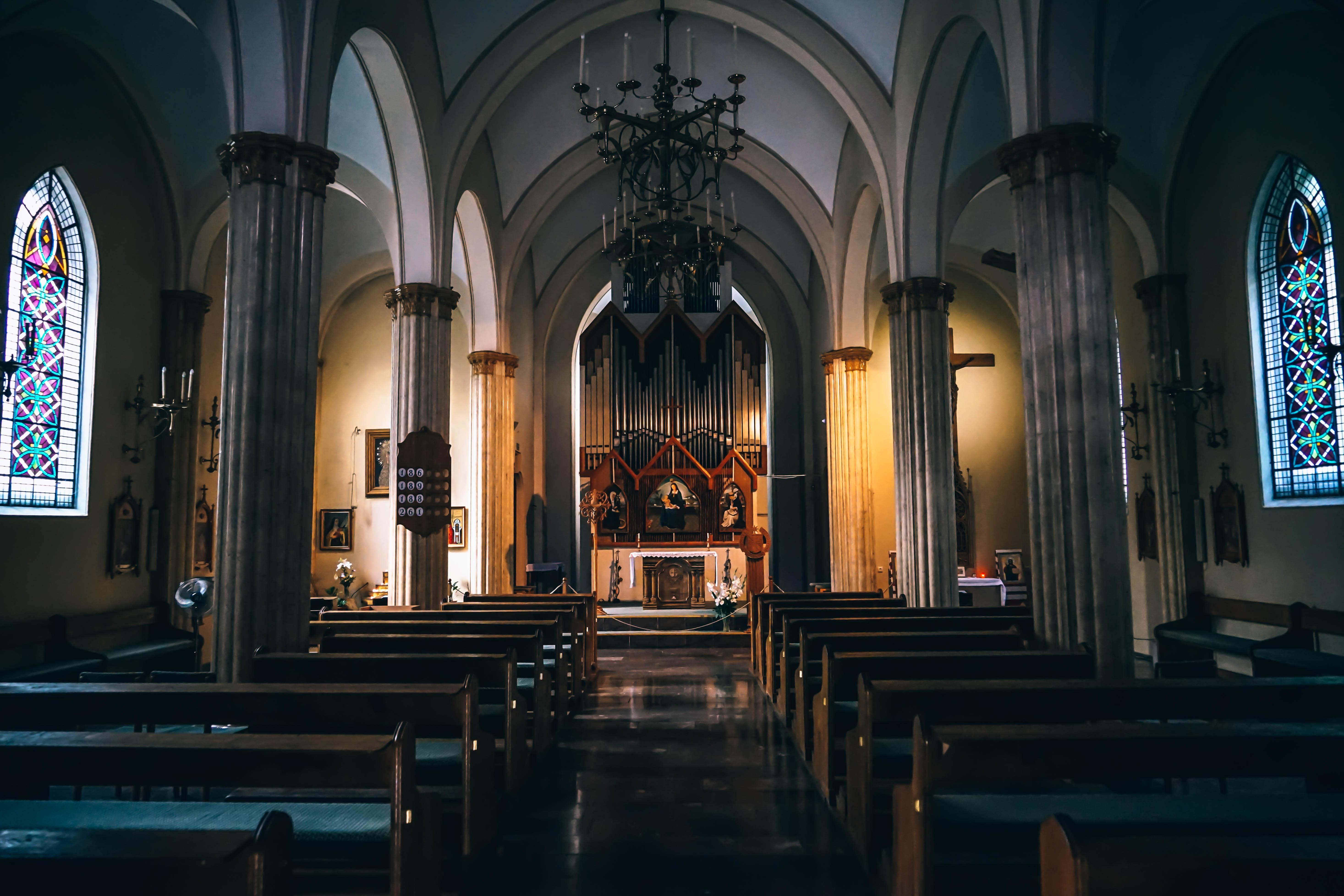 Church Pews Near Concrete Pillars in Church, Aisle, Altar, Arches, Architecture, HQ Photo