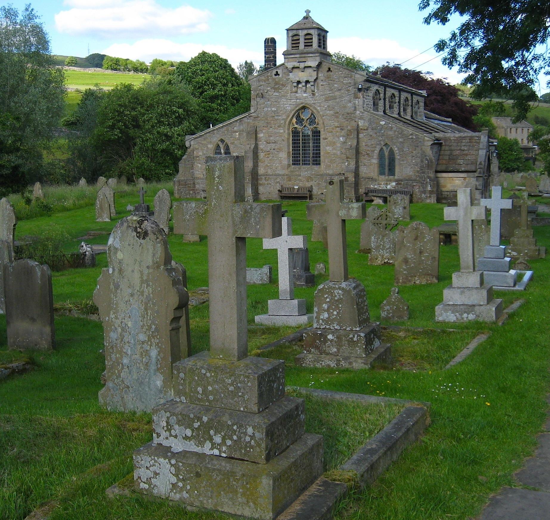 File:Linton churchyard, broad view.jpg - Wikimedia Commons
