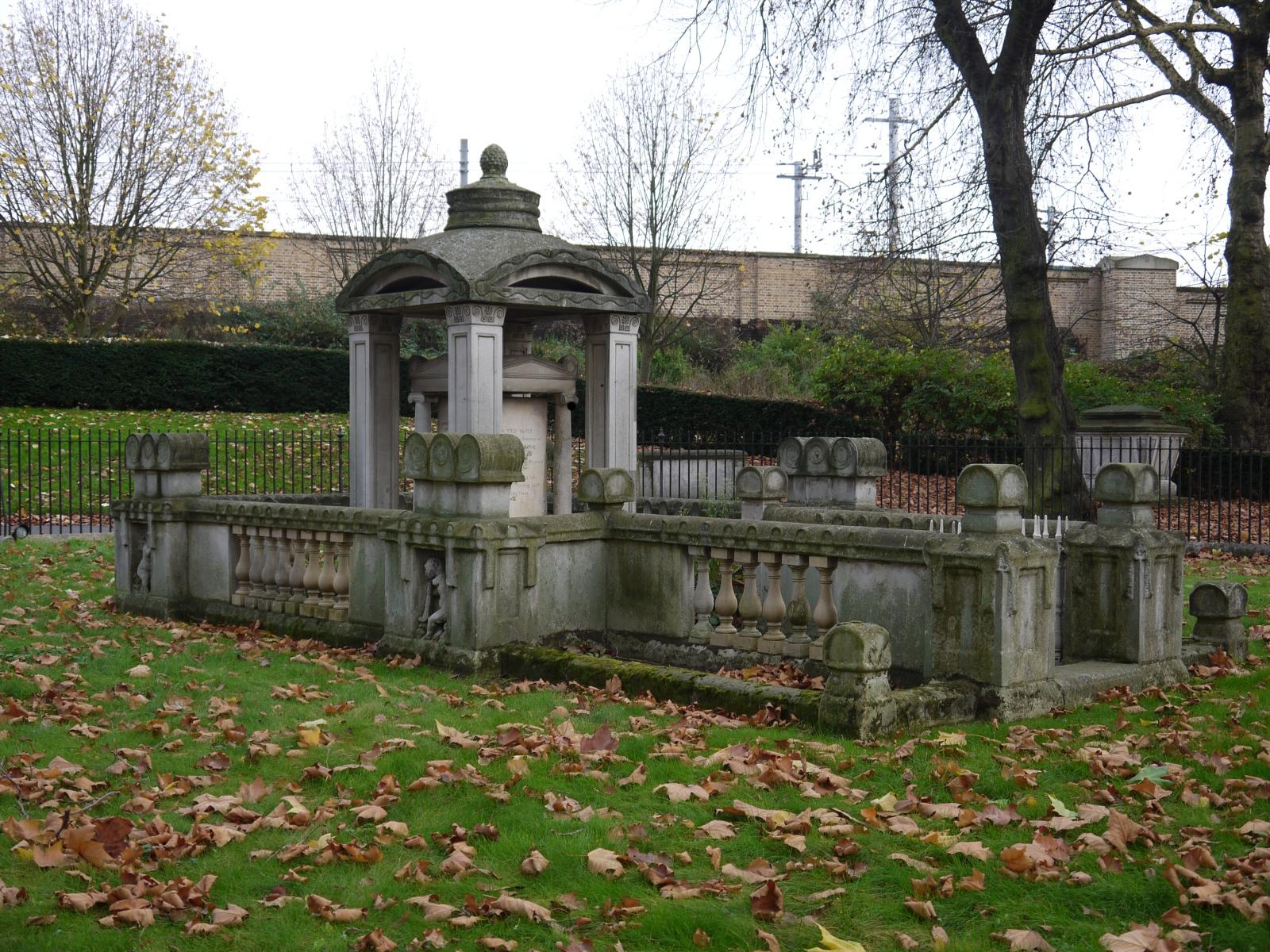 churchyard – The Street Tree