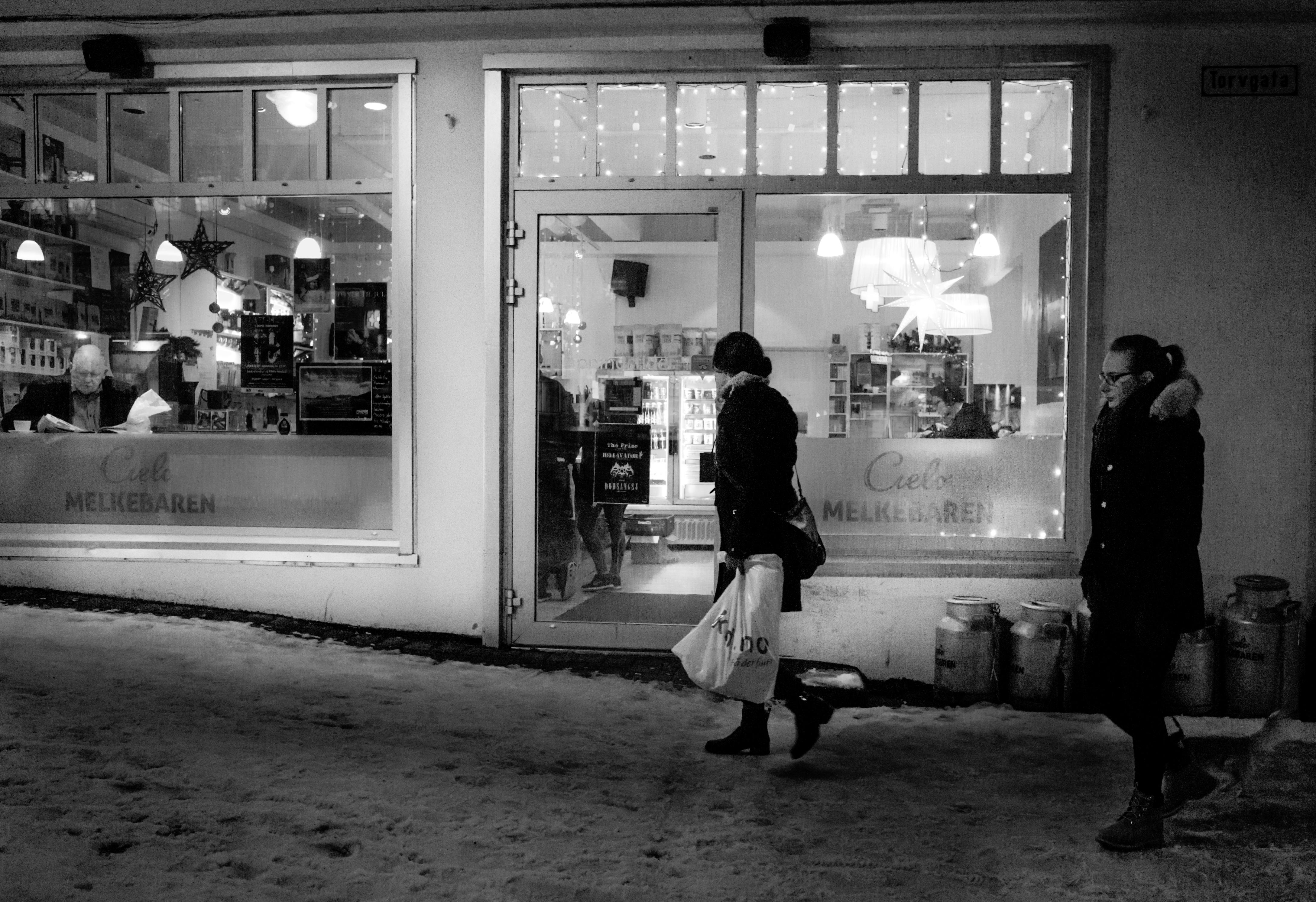 Cielo Melkebaren December, Bodø, Black, Noiretblanc, White, Walking, HQ Photo