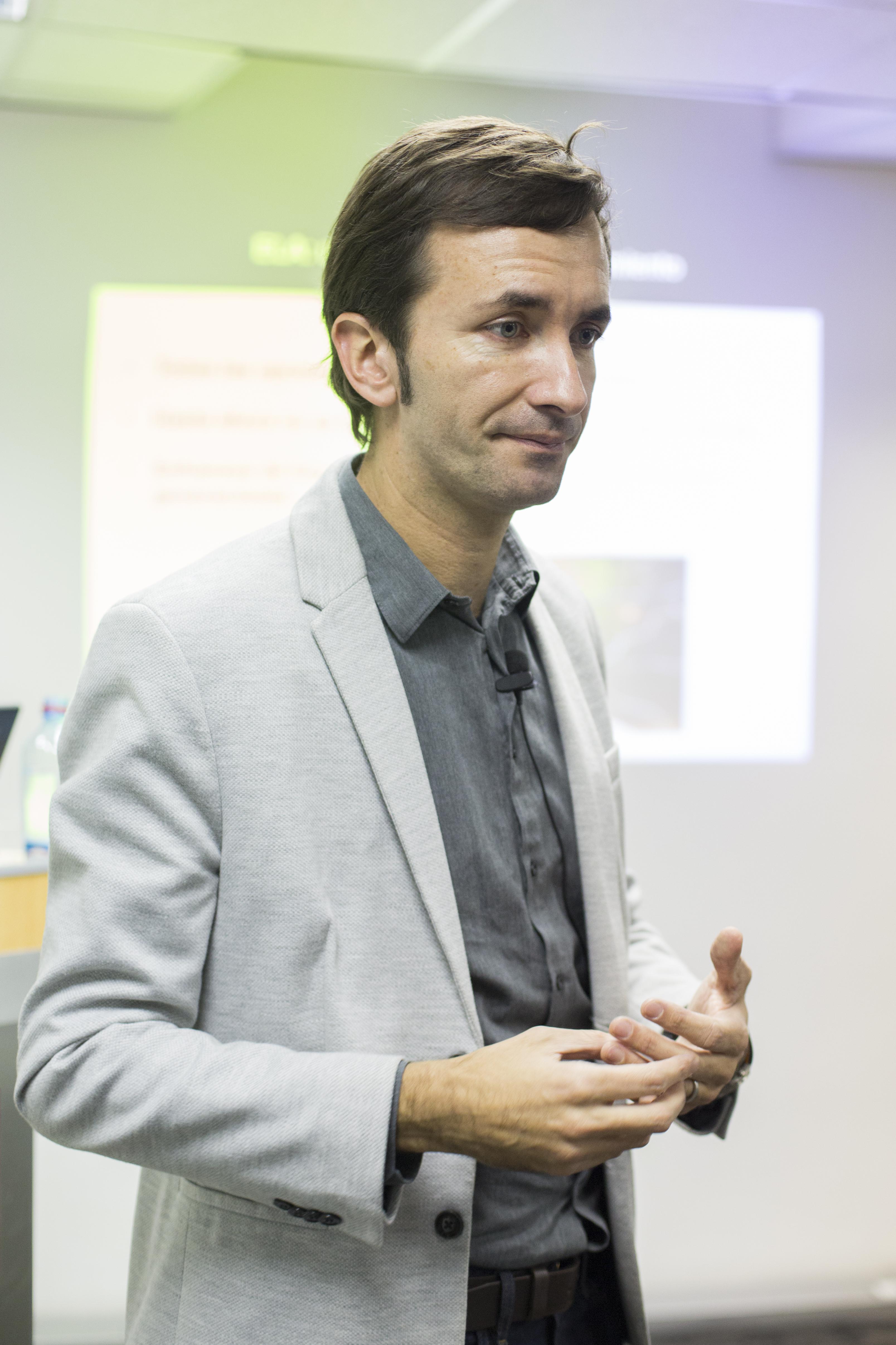 Ciencia en CONICYT. Dr. Claudio Hetz, People, HQ Photo