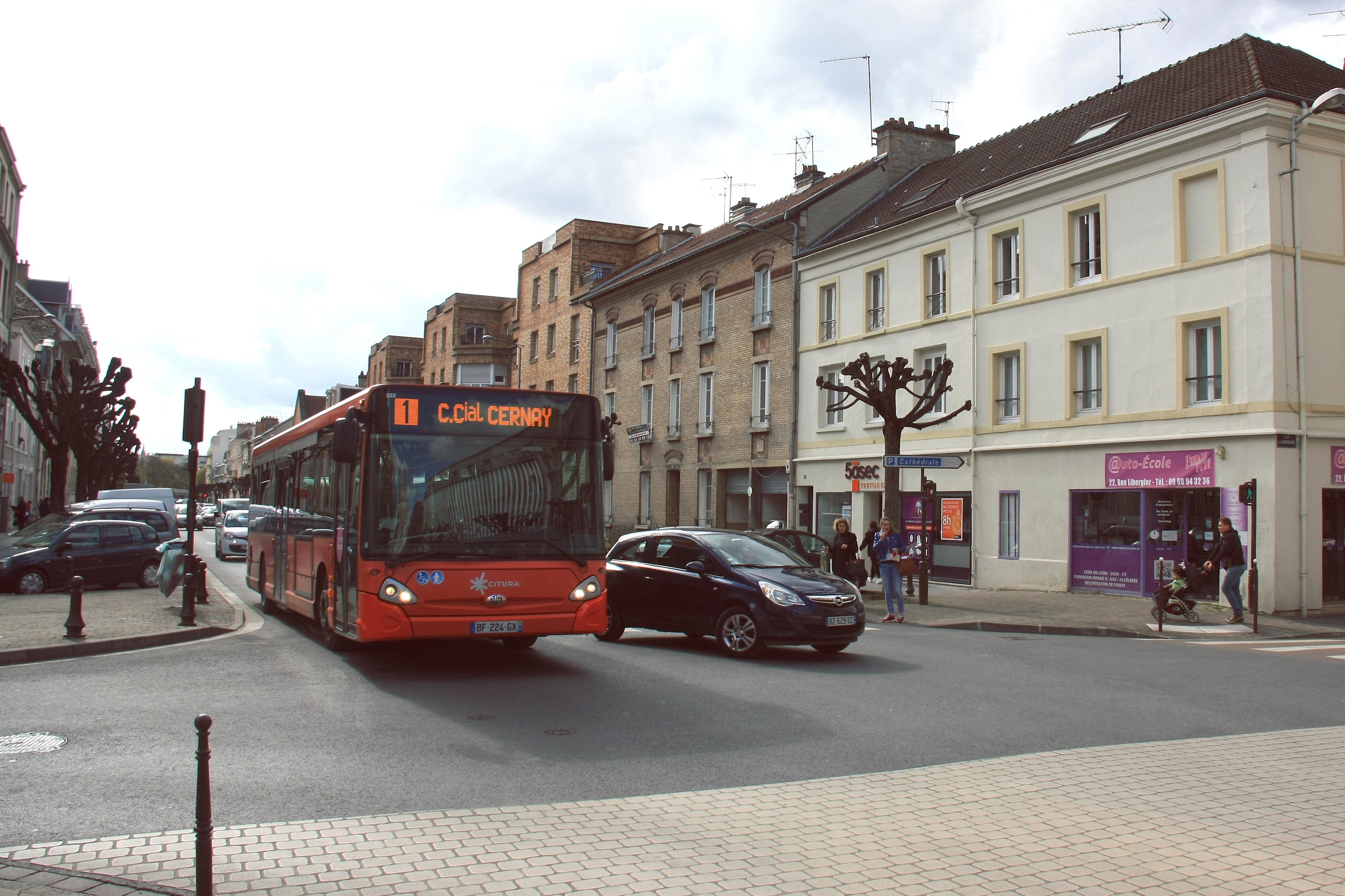 Citura - heuliez bus gx327 n°323 - ligne 1 photo