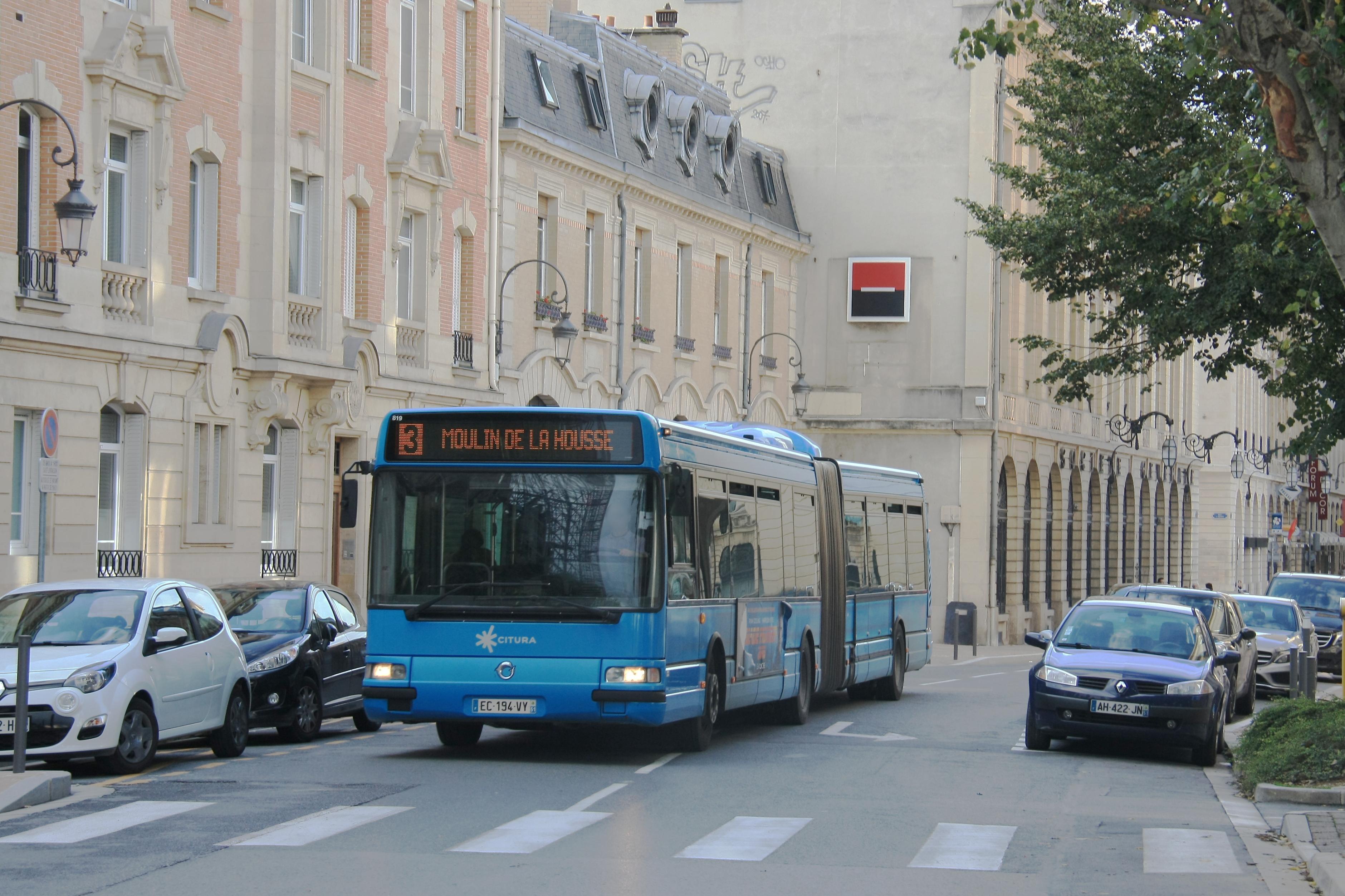Citura - irisbus agora l n°819 - ligne 3 photo