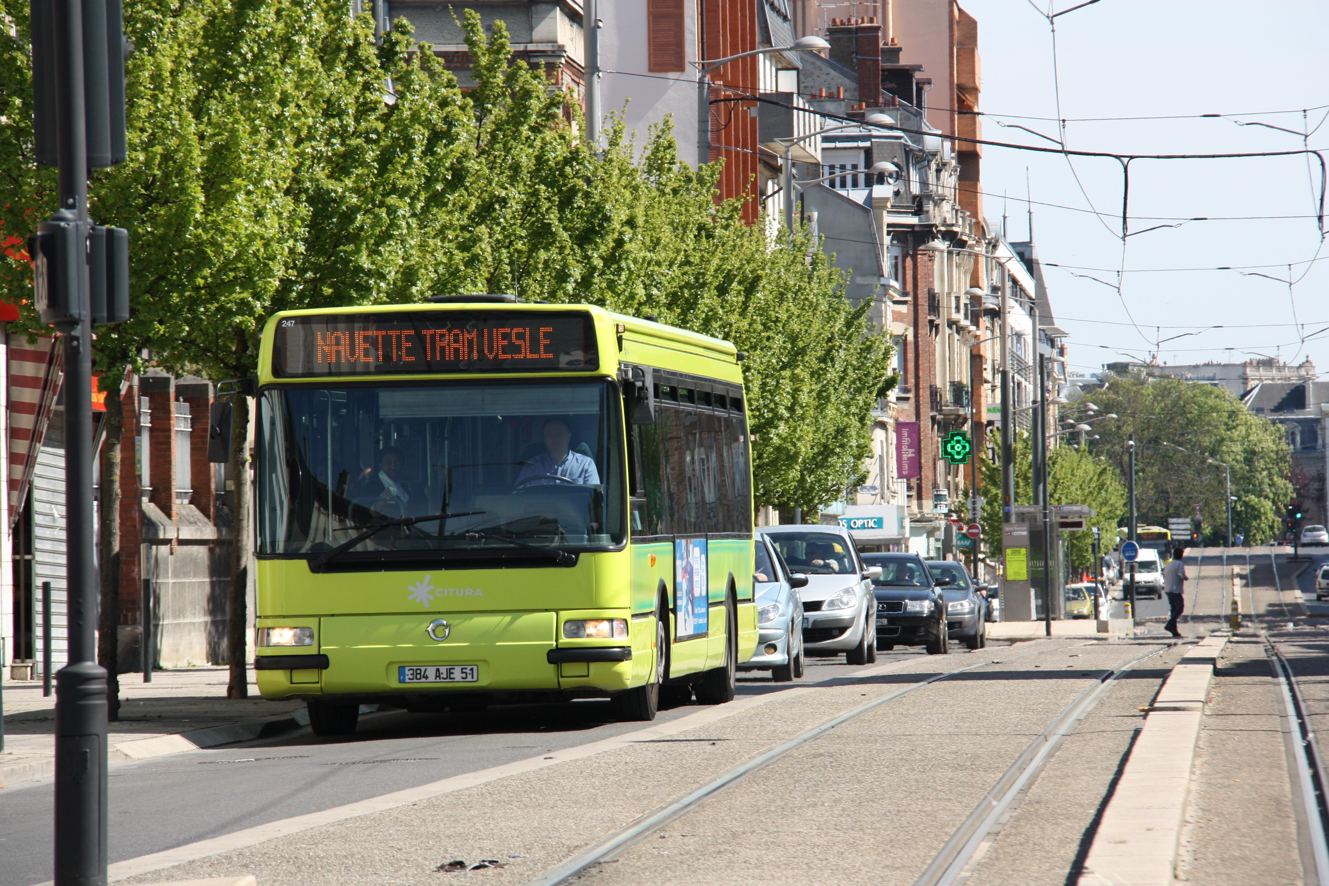 Citura - irisbus agora s n°247 - ligne tram photo