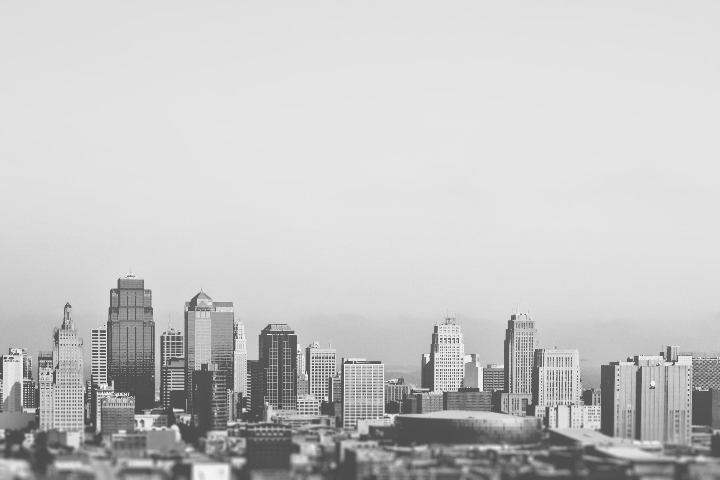Typical american city downtown in black and white · Free Stock Photo