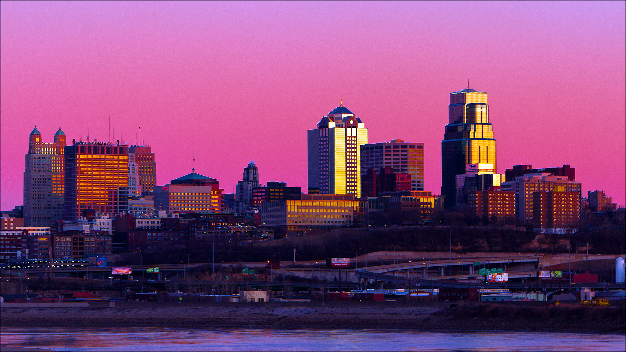 File:Kansas City At Dusk.jpg - Wikimedia Commons