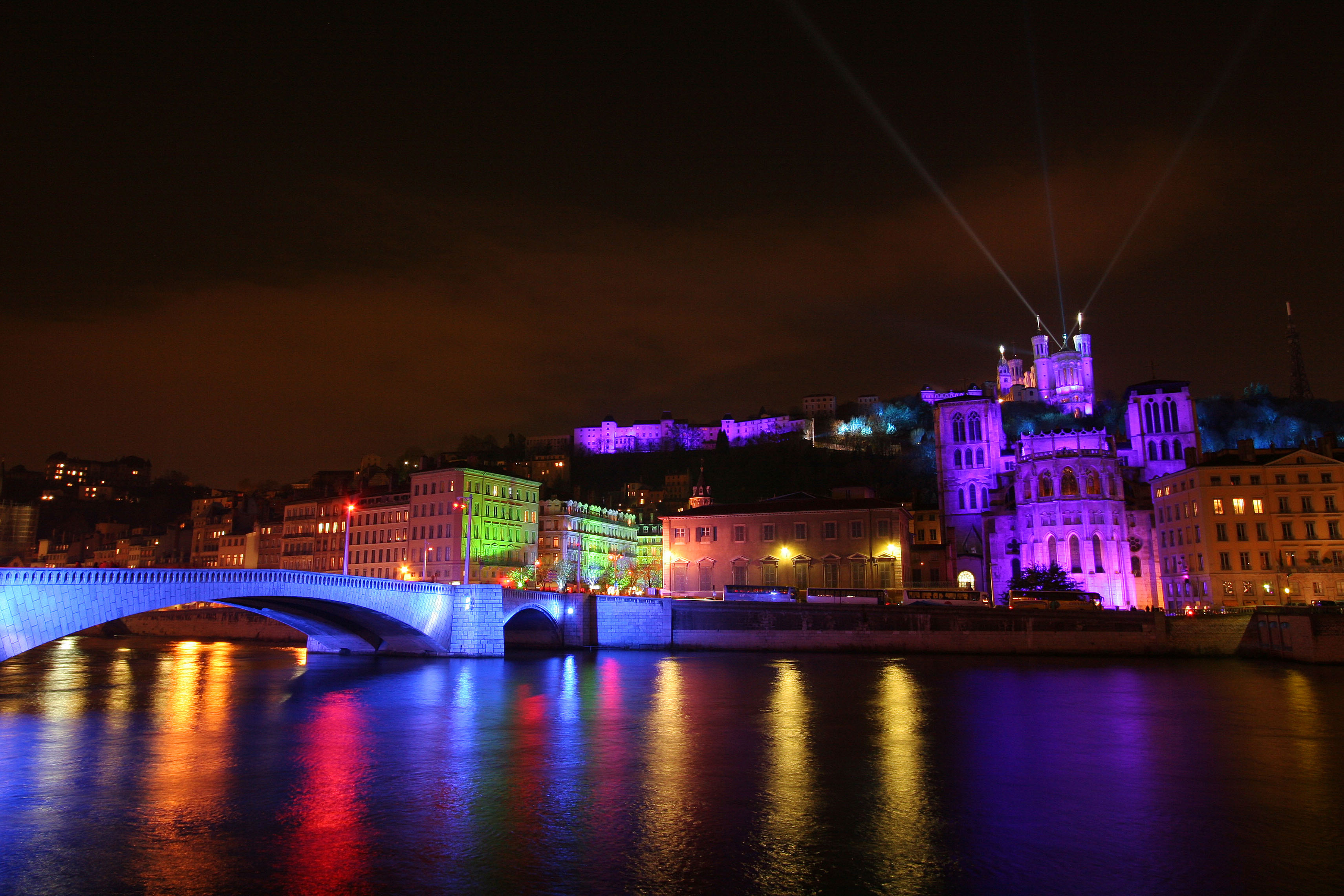 City of Lights: Lyon - Magellan PR